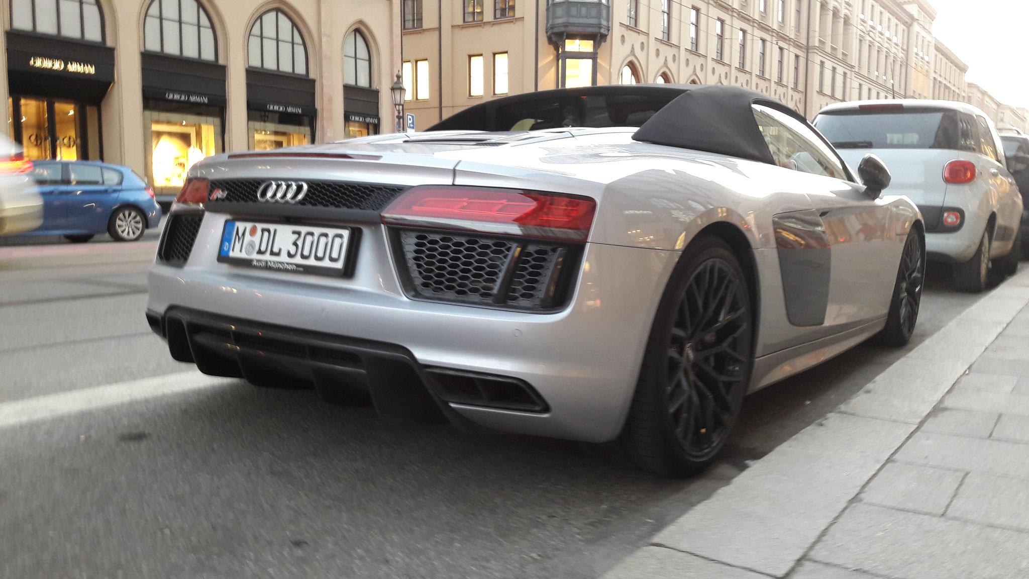 Audi R8 V10 Spyder - M-DL-3000