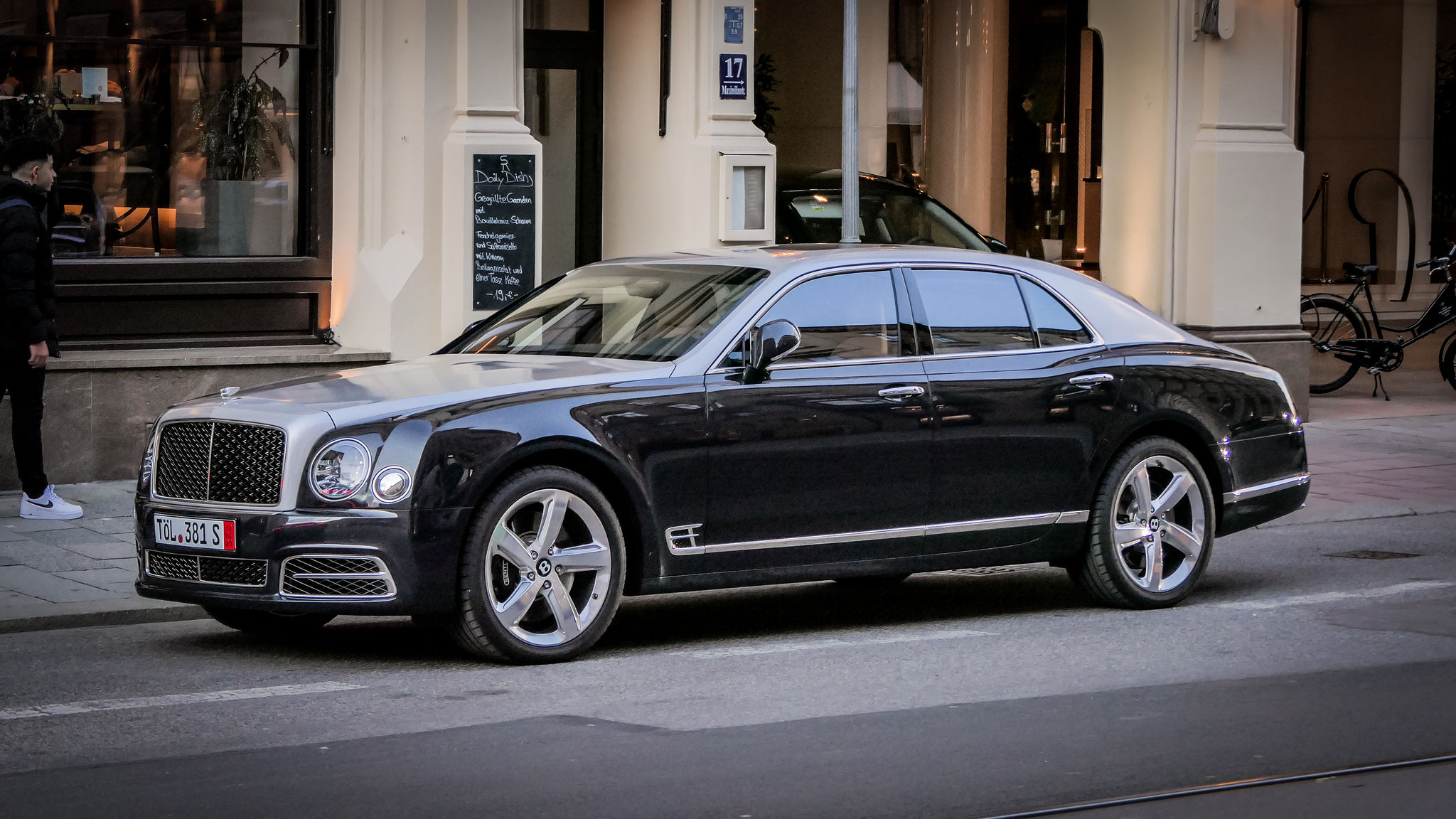 Bentley Mulsanne - TÖL-381-S