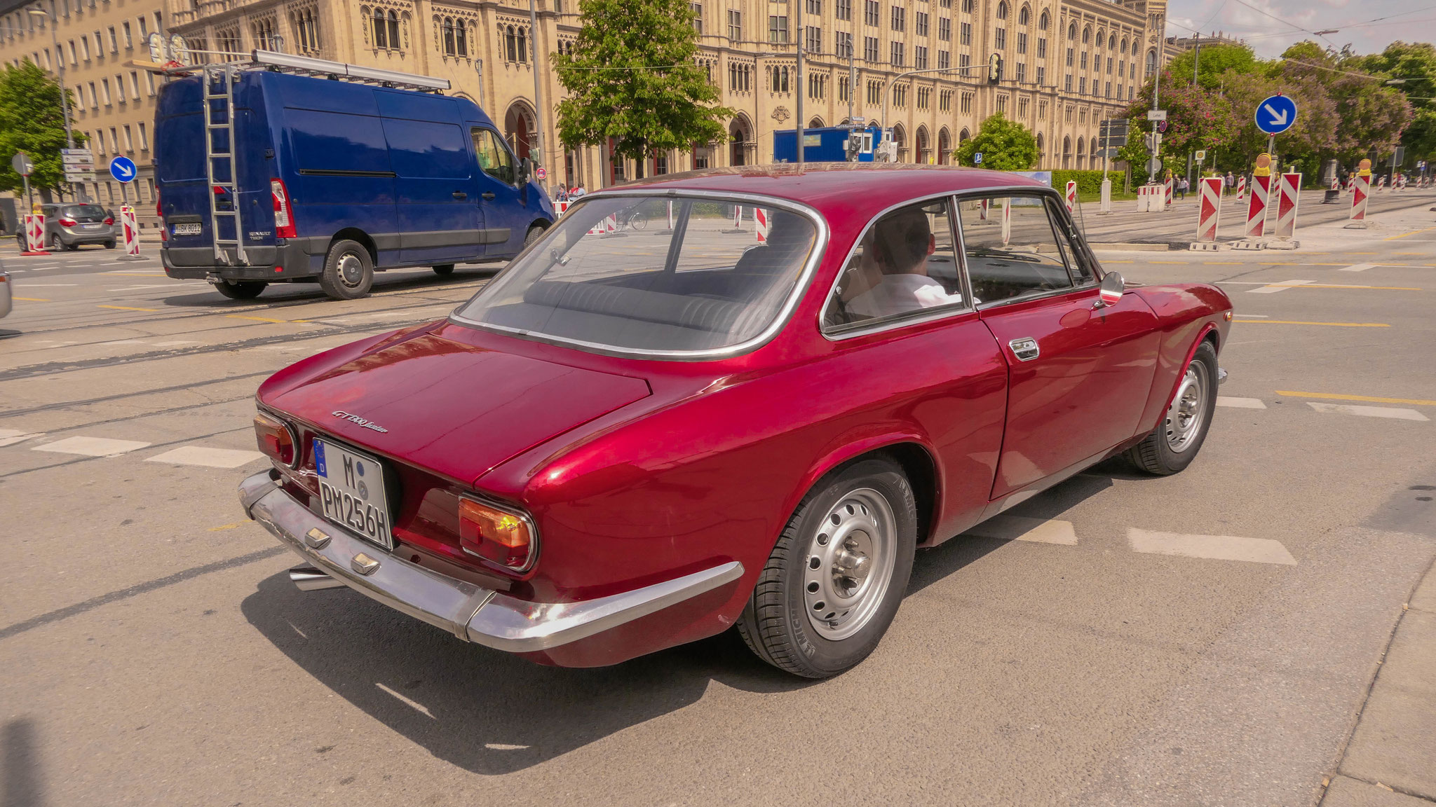 Alfa Romeo Giulia 1300 Junior - M-PM-256H