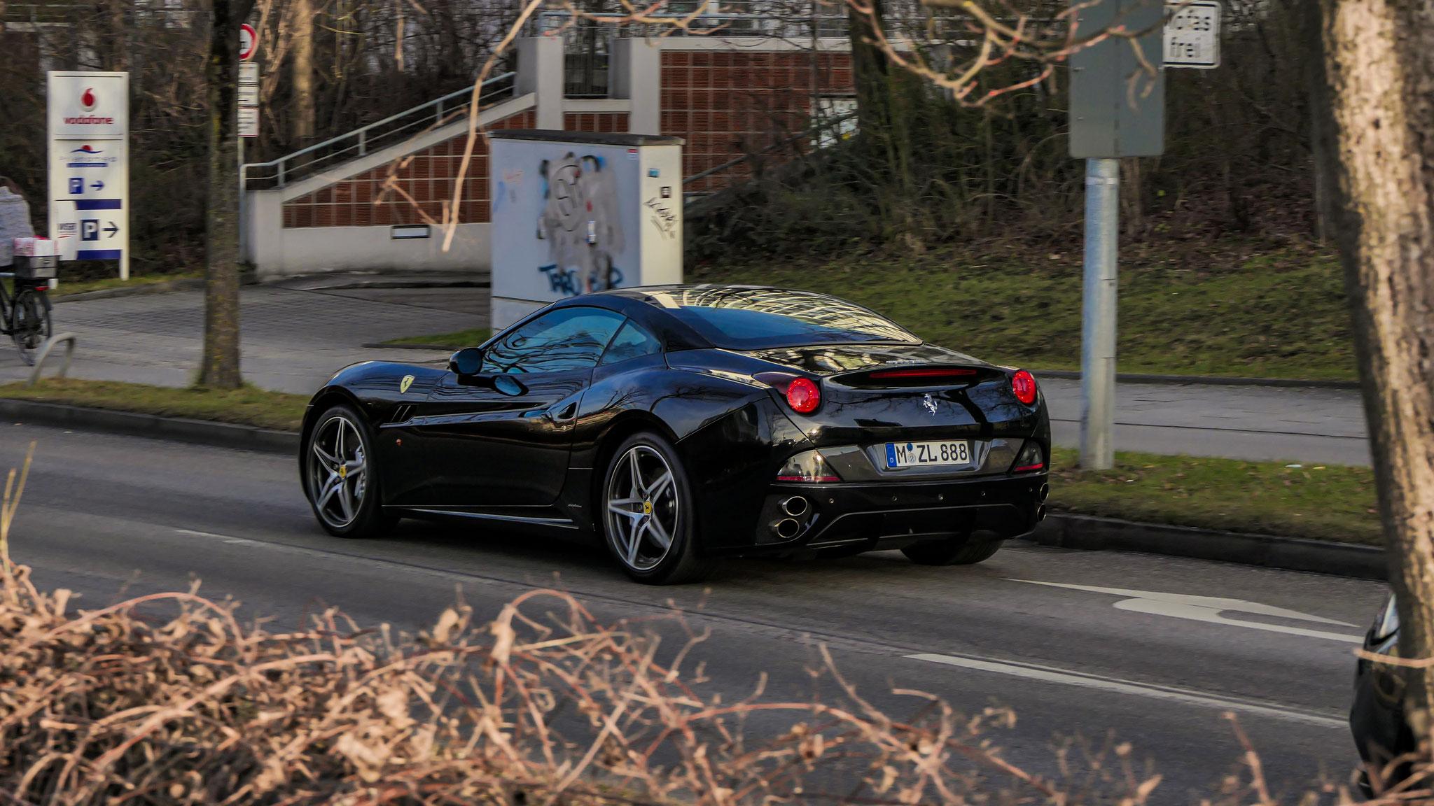Ferrari California T - M-ZL-888