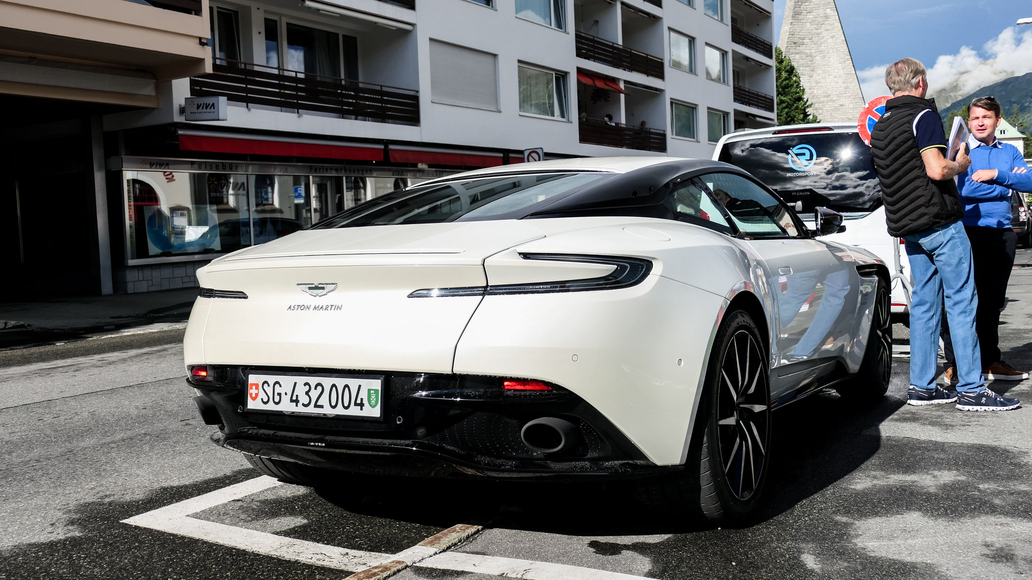 Aston Martin DB11 - SG-432004 (CH)