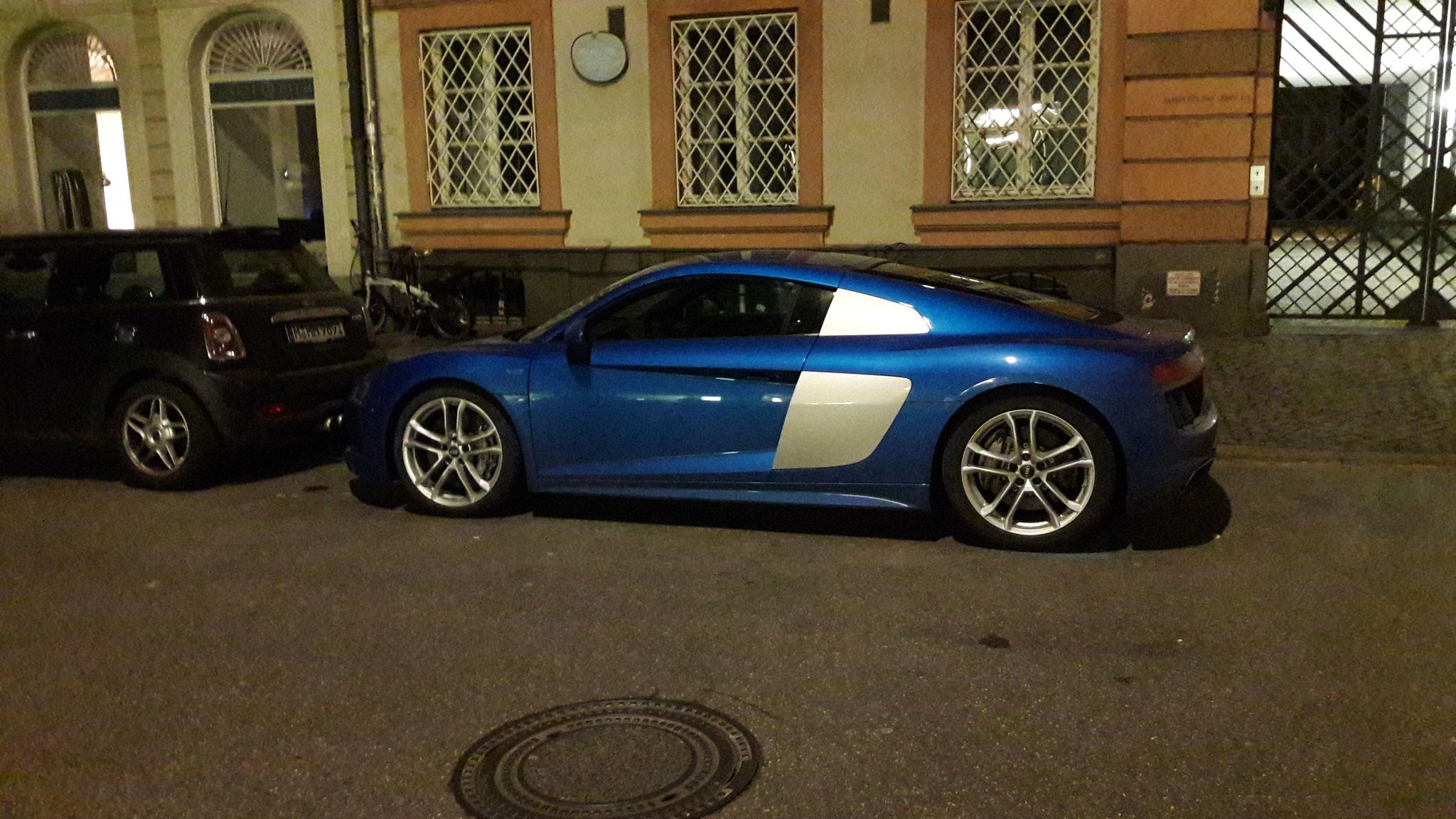 Audi R8 V10 - IN-AI-8597