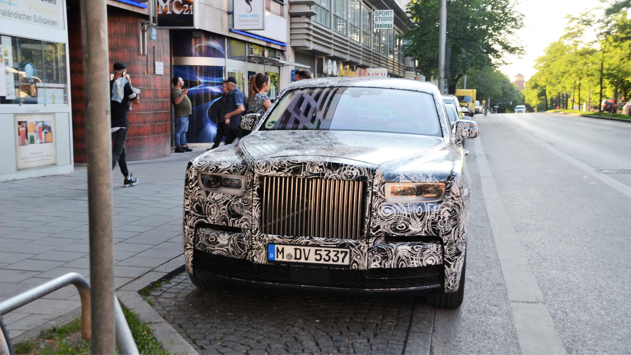 Rolls Royce Phantom EWB - M-DV-5337