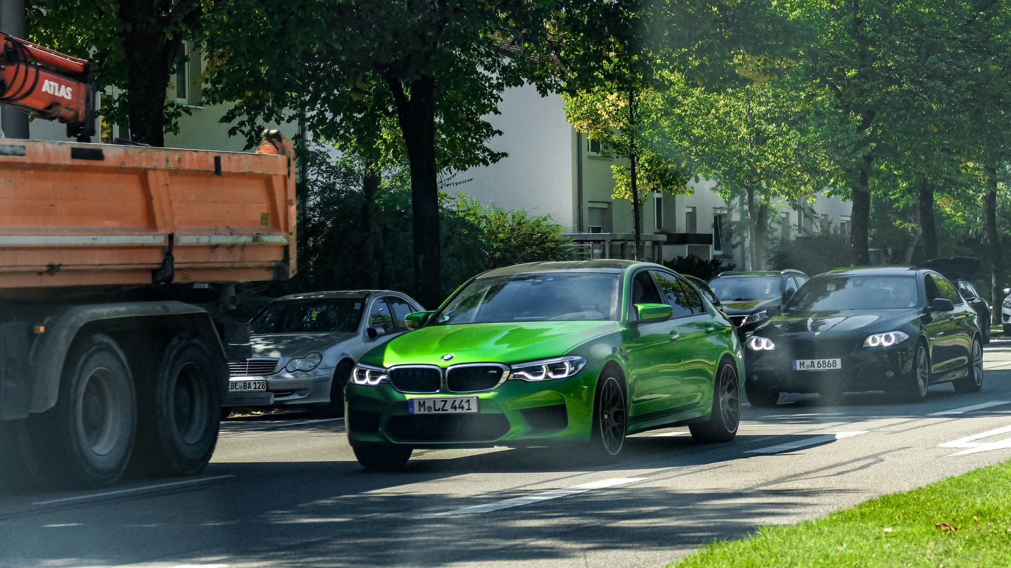 BMW M5 - M-LZ-441