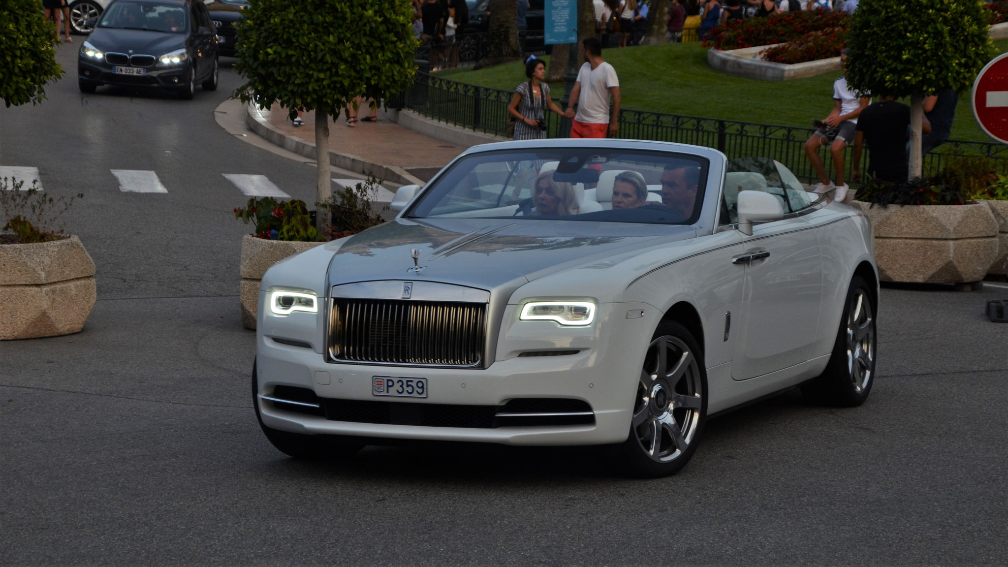 Rolls Royce Dawn - P359 (MC)