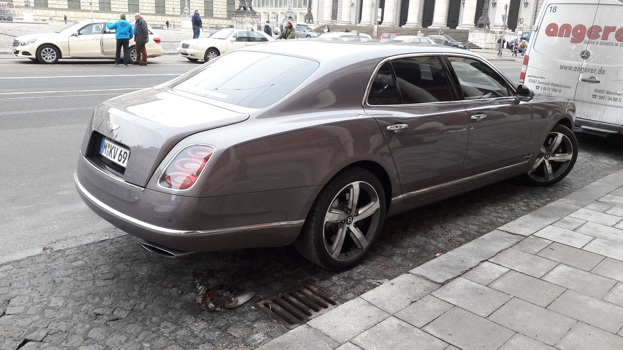 Bentley Mulsanne - M-KV-69