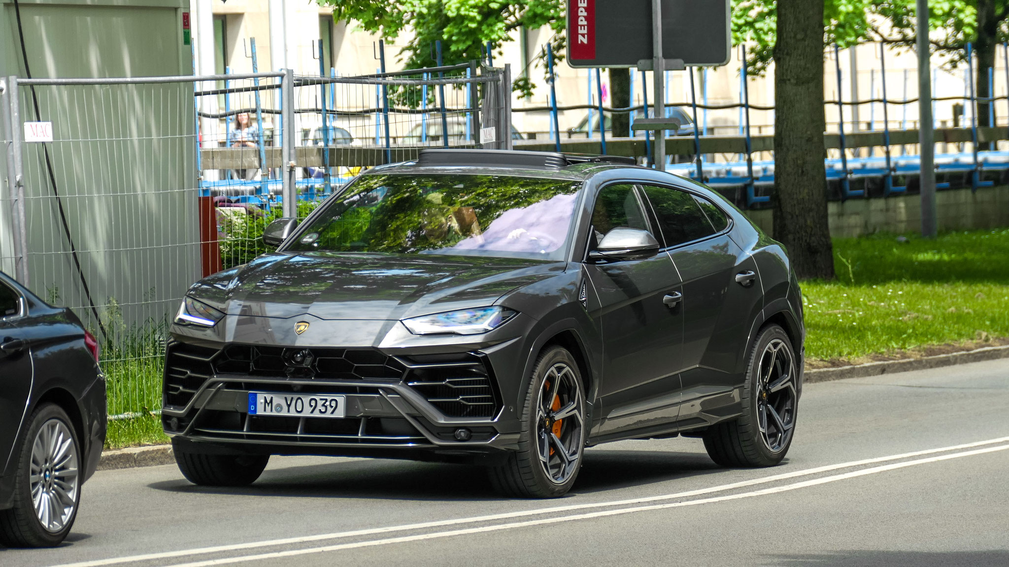 Lamborghini Urus - M-YO-939