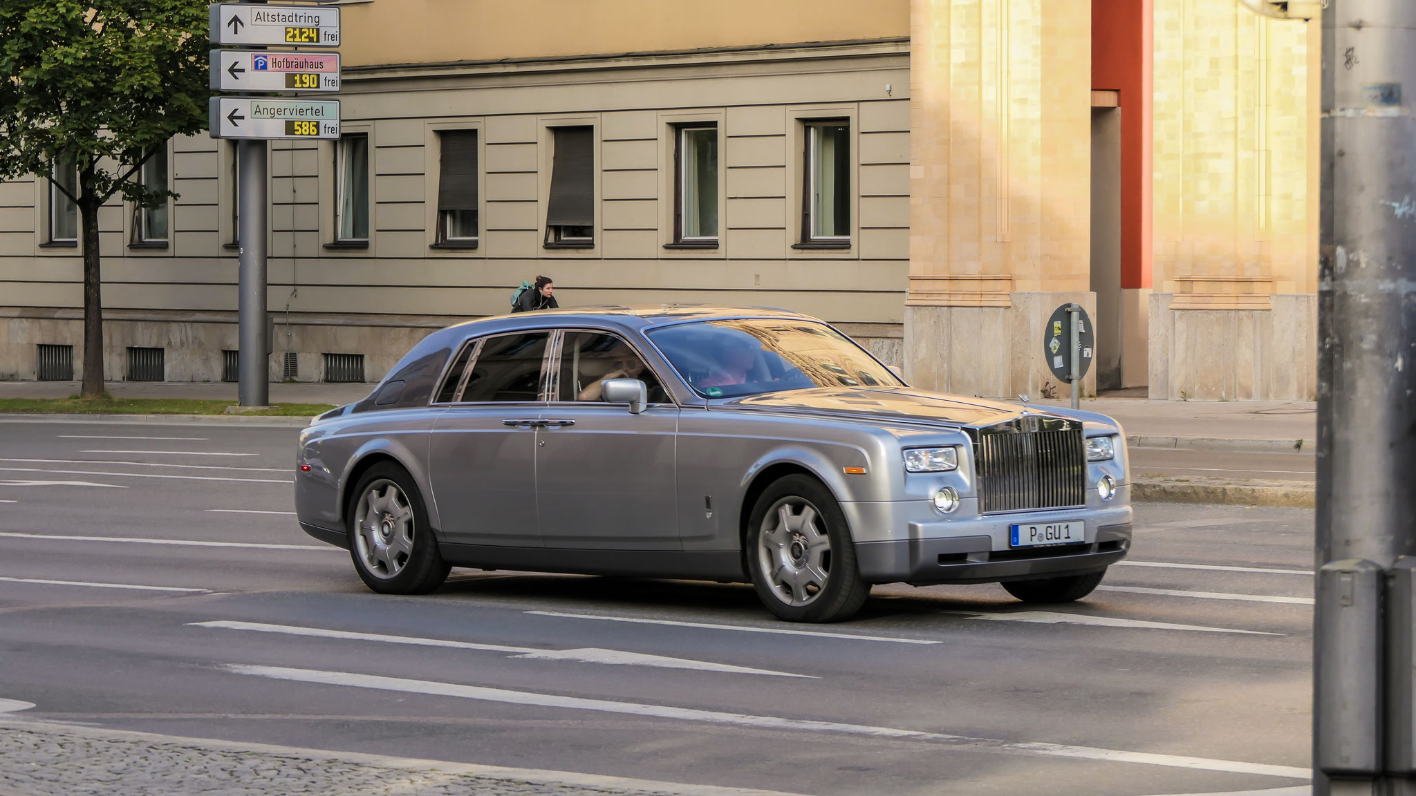 Rolls Royce Phantom - P-GU-1