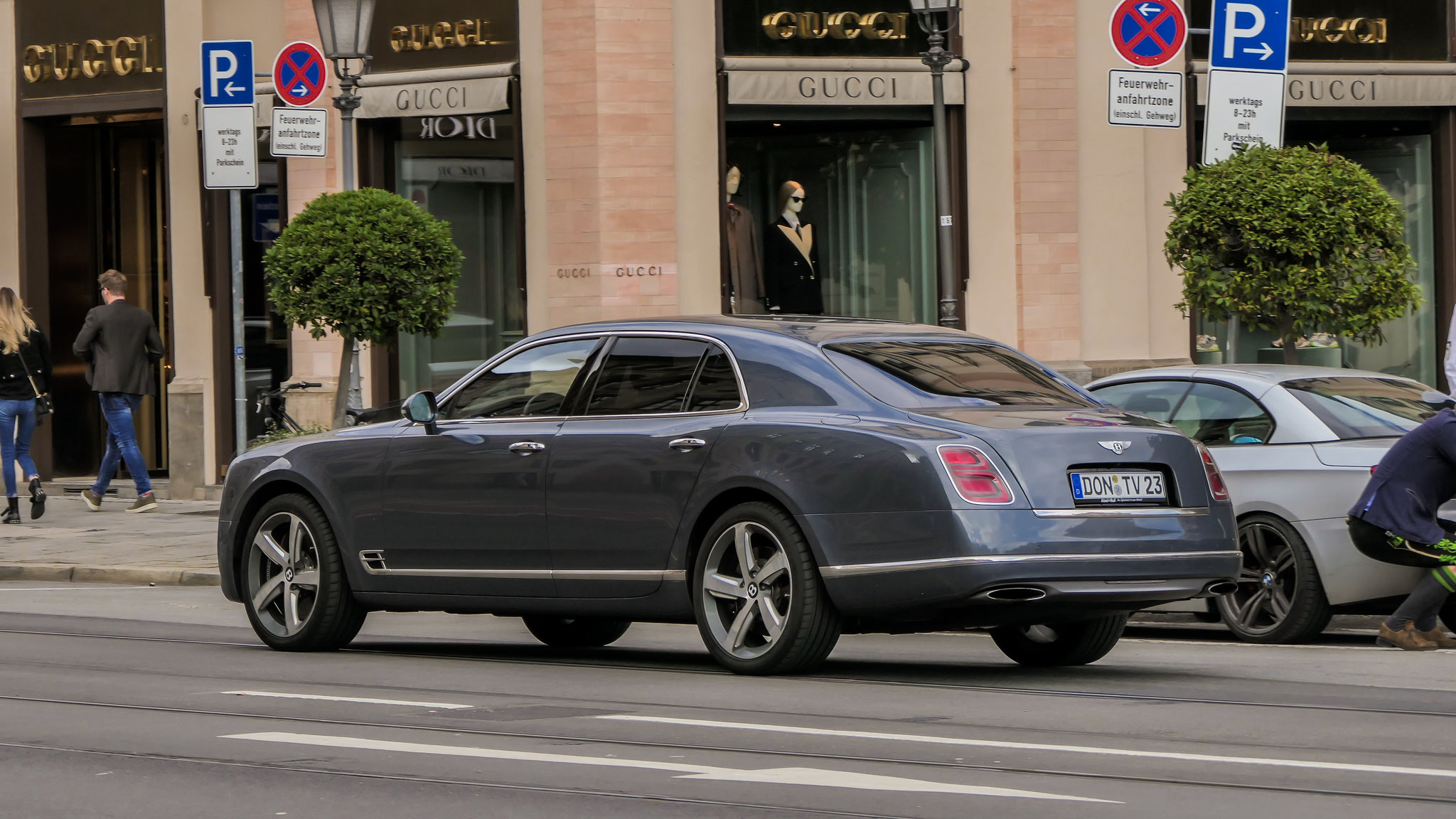 Bentley Mulsanne - DON-TV-23