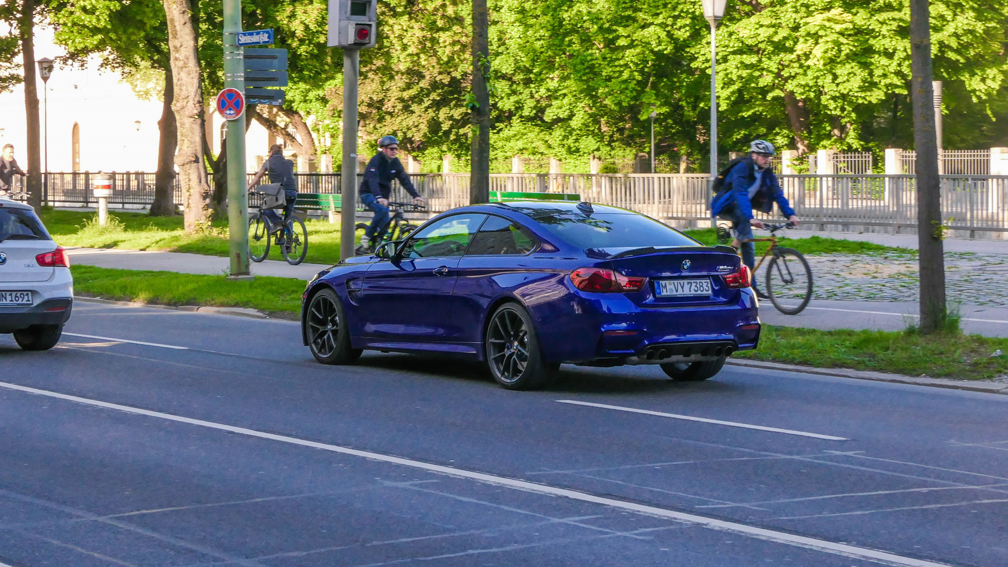 BMW M4 CS - M-VY-7383