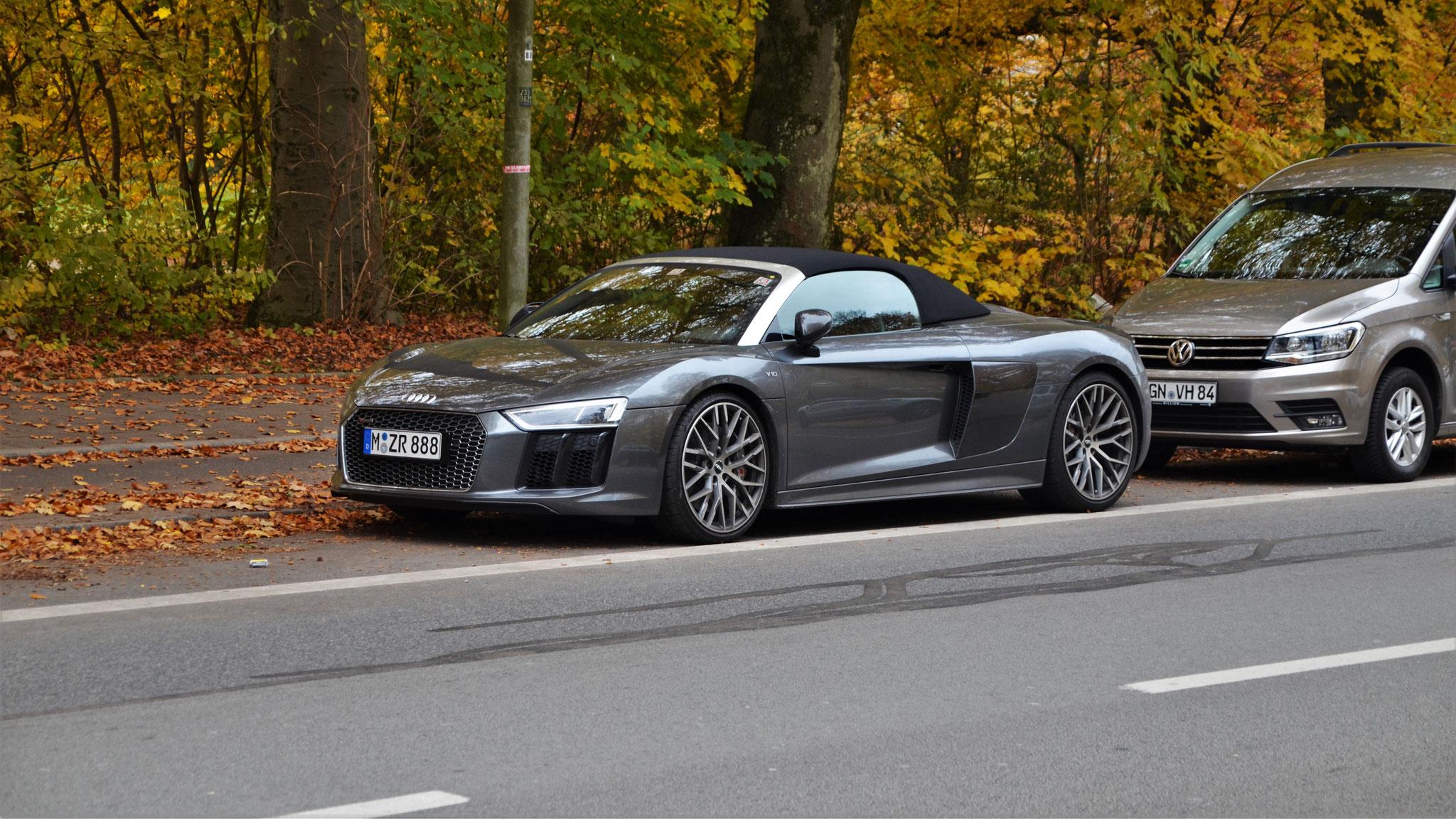 Audi R8 V10 Spyder - M-ZR-888