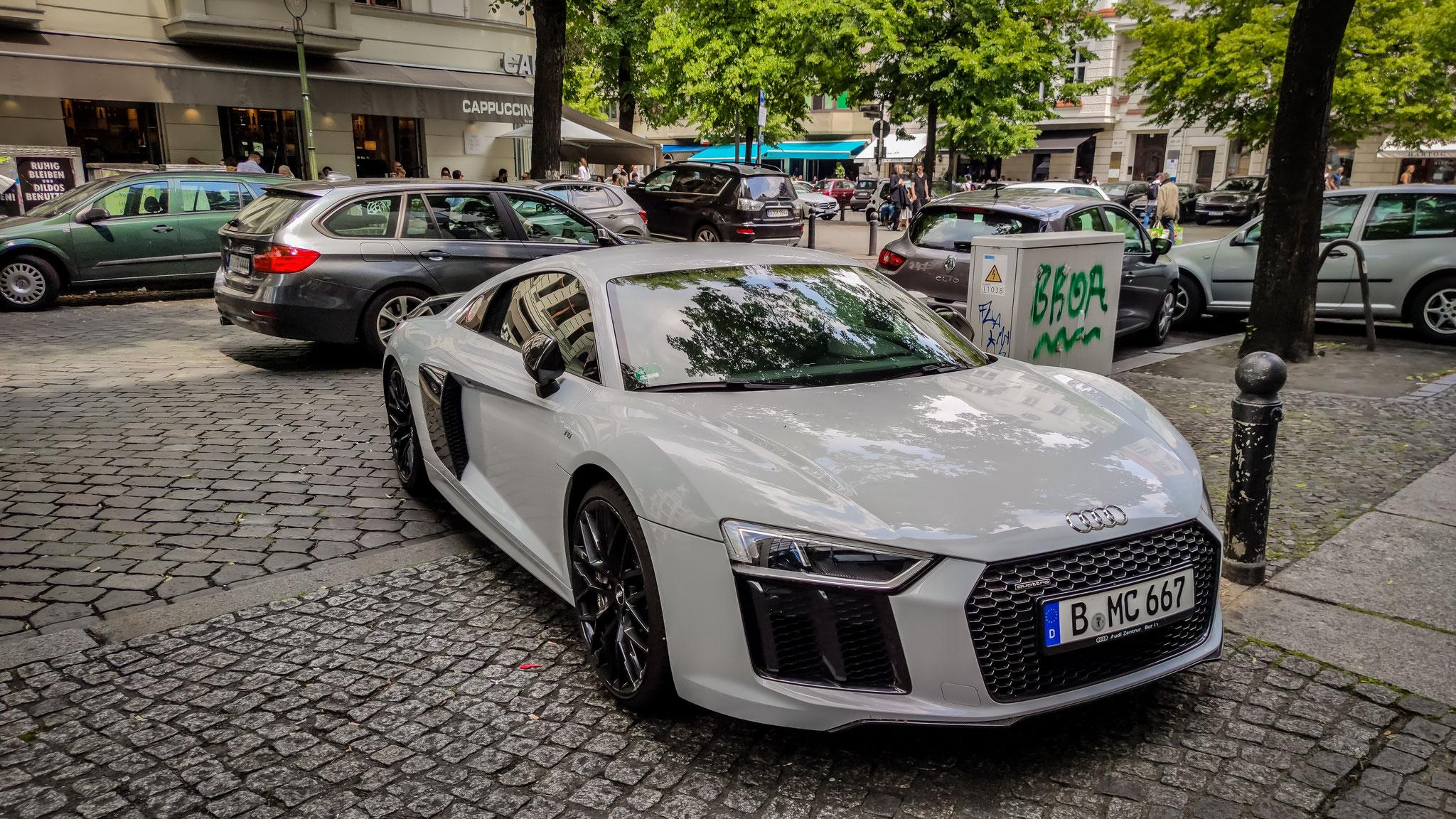 Audi R8 V10 - B-MC-667