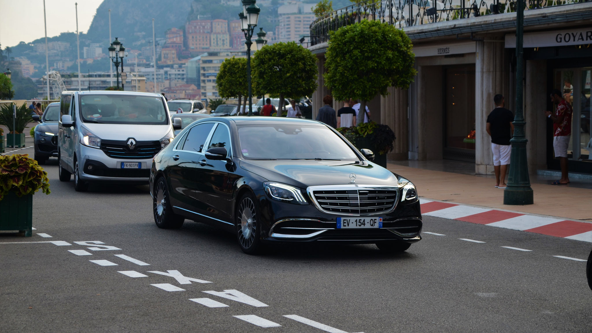 Mercedes Maybach S600 - EV-154-QF-75 (FRA)