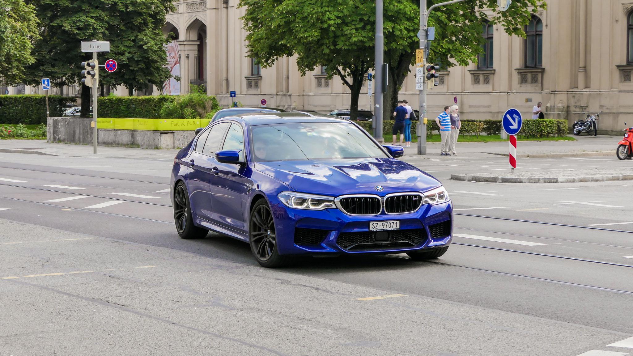 BMW M5 - SZ-97071 (CH)
