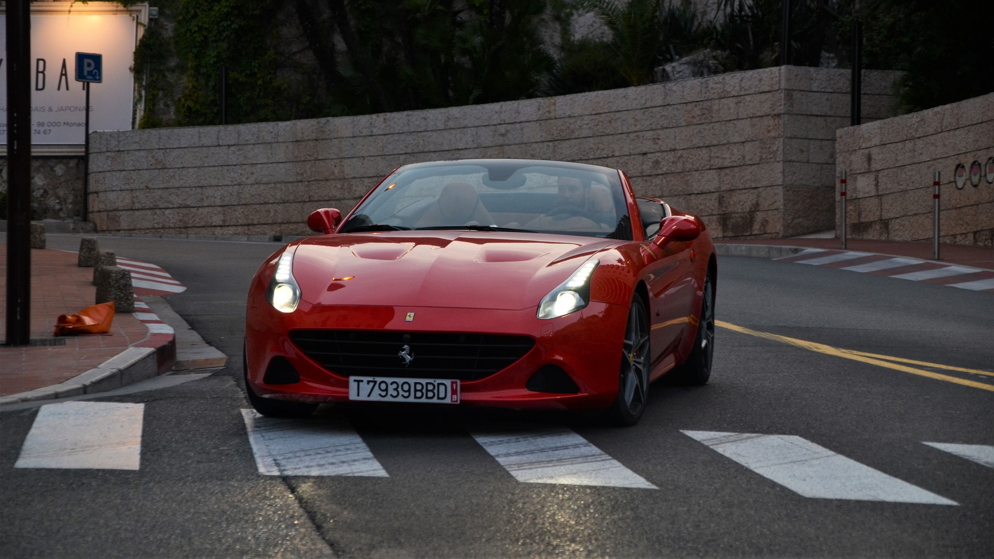 Ferrari California T - T7939BBD (?)