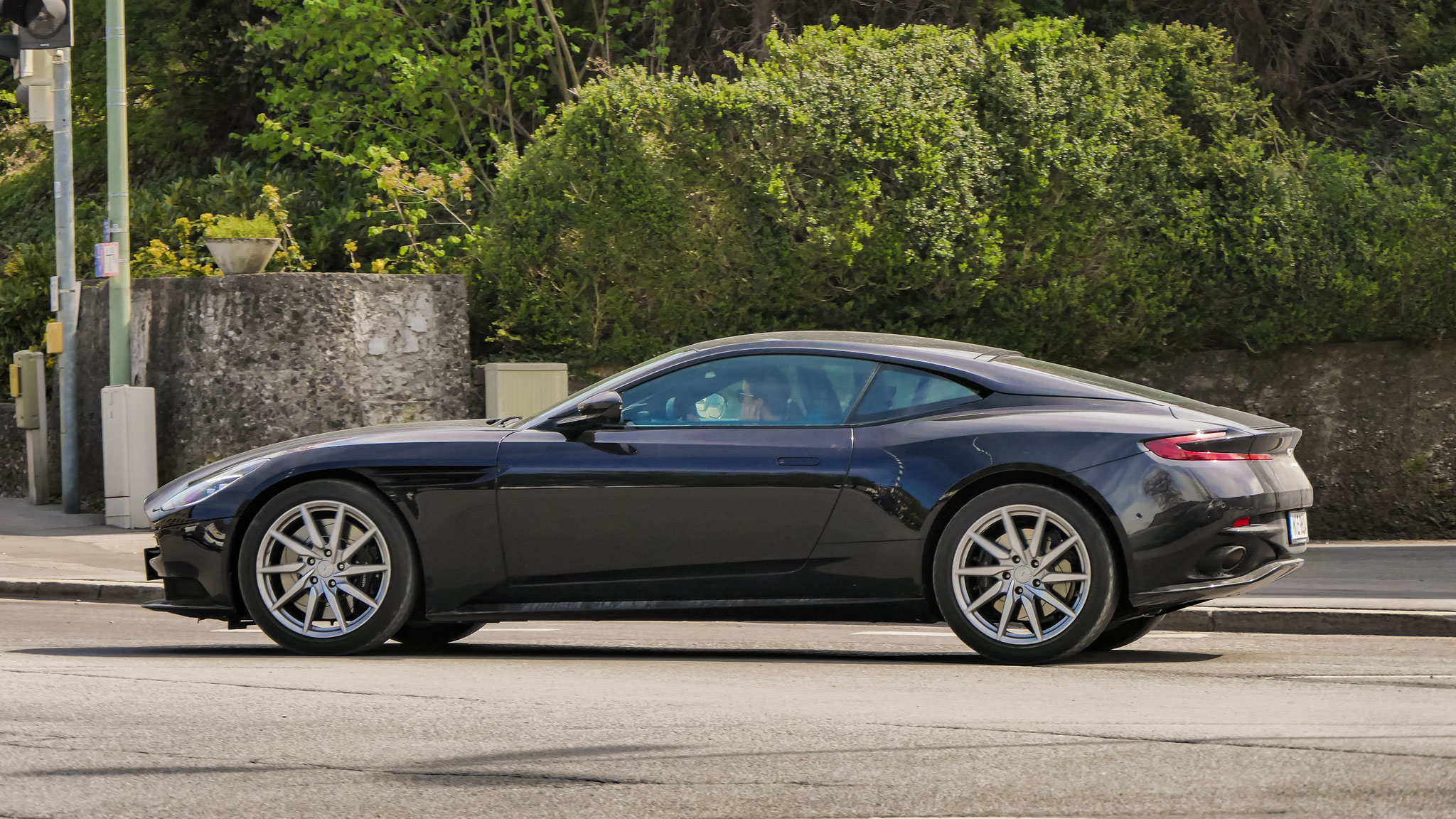 Aston Martin DB11 - M-E-9614