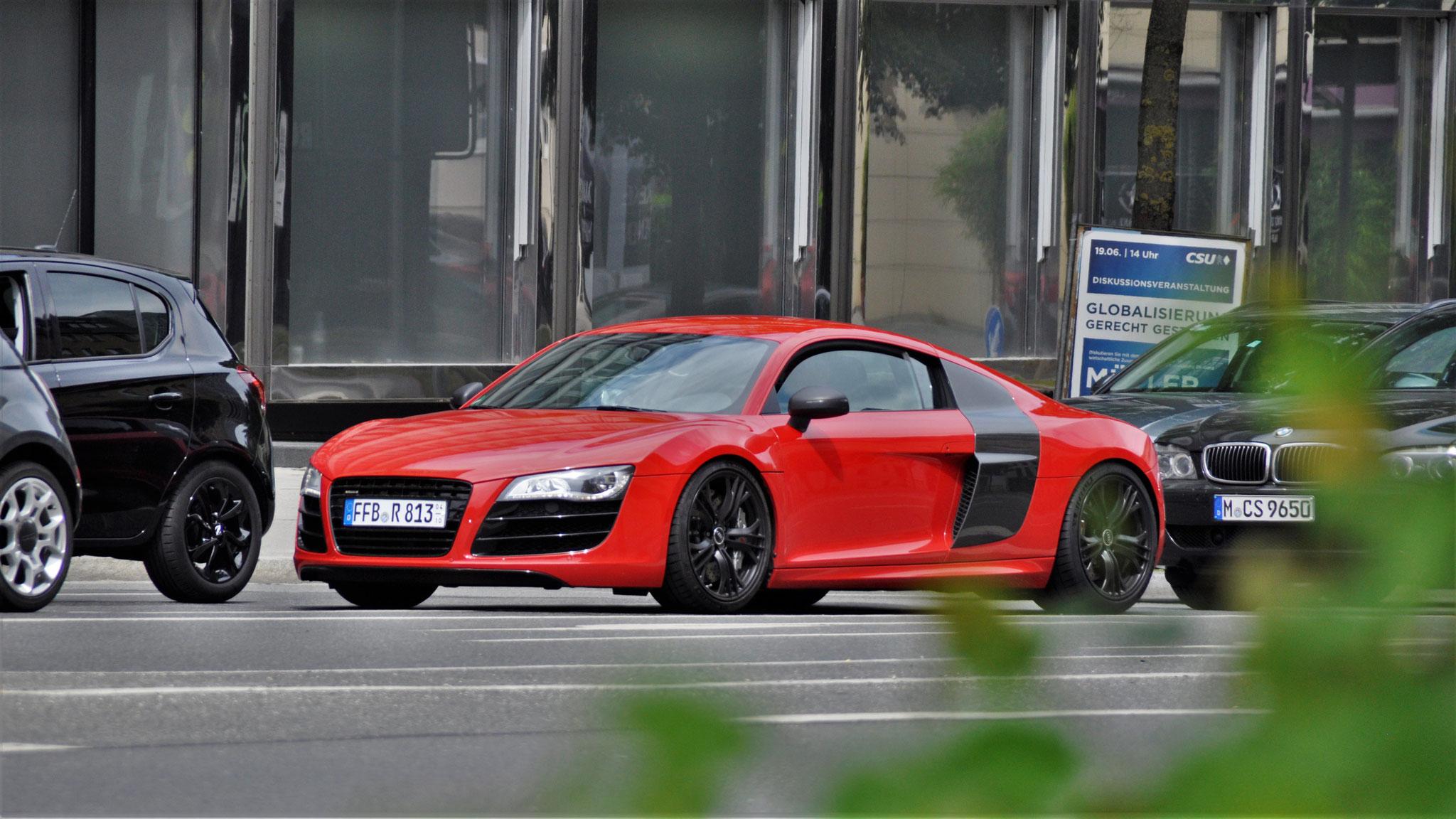 Audi R8 - FFB-R-813