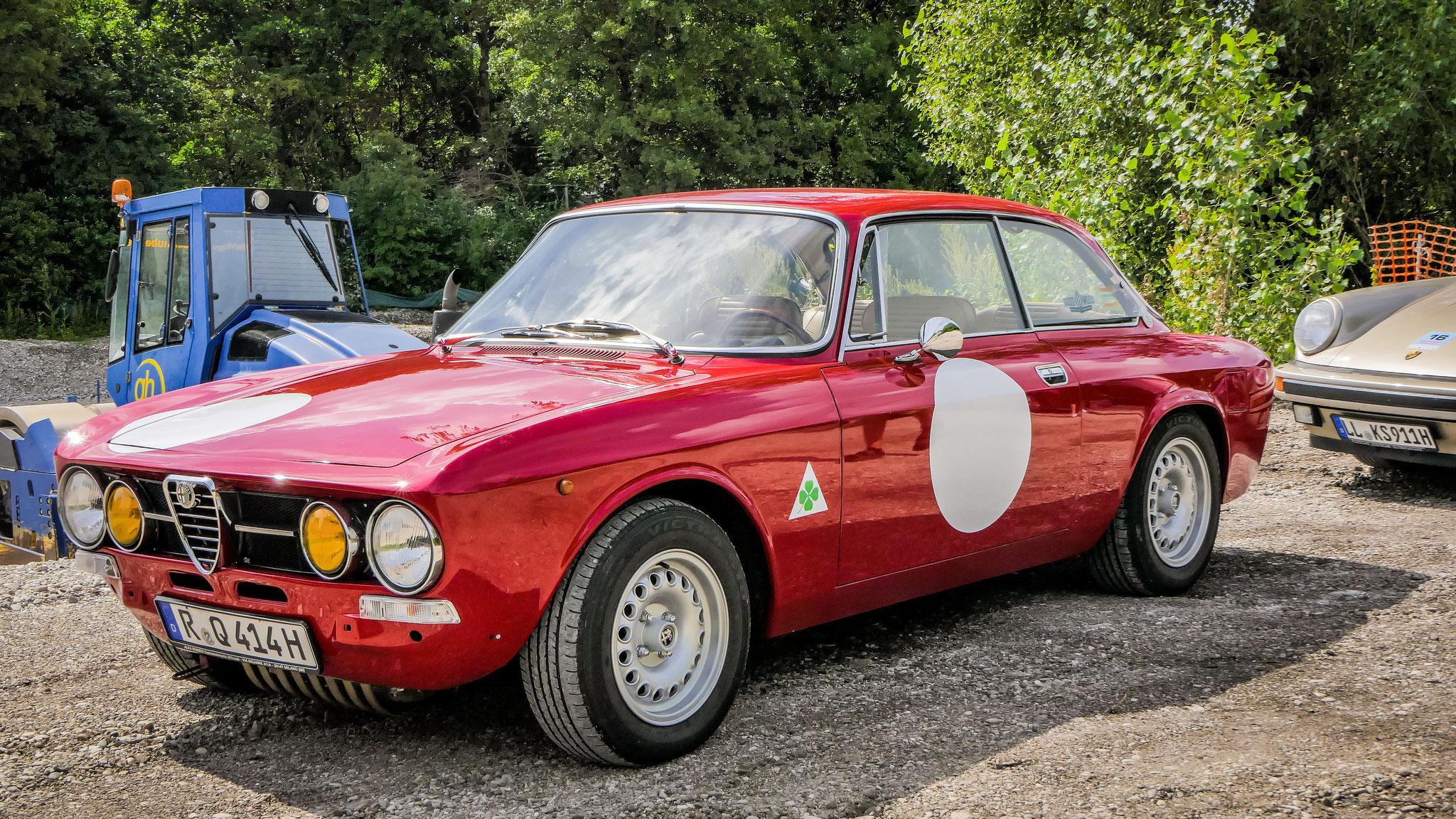 Alfa Romeo 2000 GT Veloce - R-Q-414H