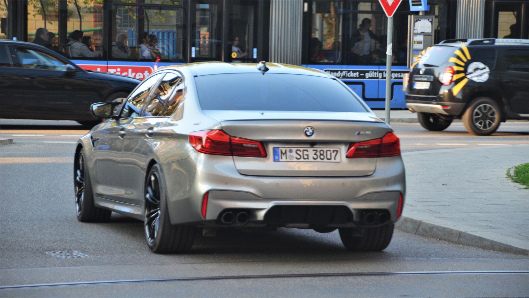 BMW M5 - M-SG-3807