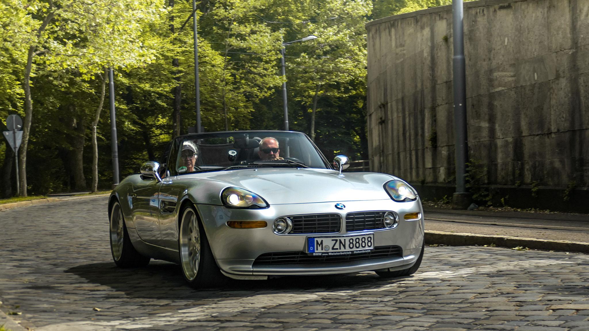 BMW Z8 - M-ZN-8888
