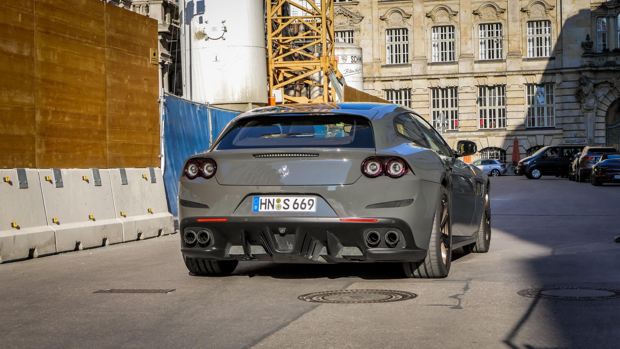 Ferrari GTC4 Lusso - HN-S-669