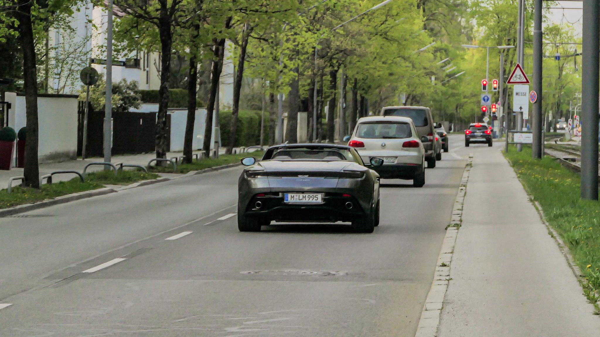 Aston Martin DB11 Volante - M-LM-995