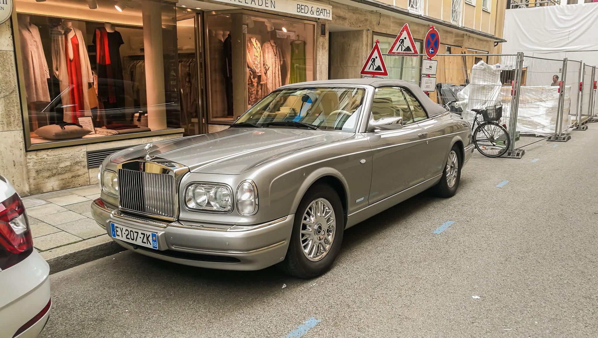 Rolls Royce Corniche V - EY-207-ZK-06 (FRA)