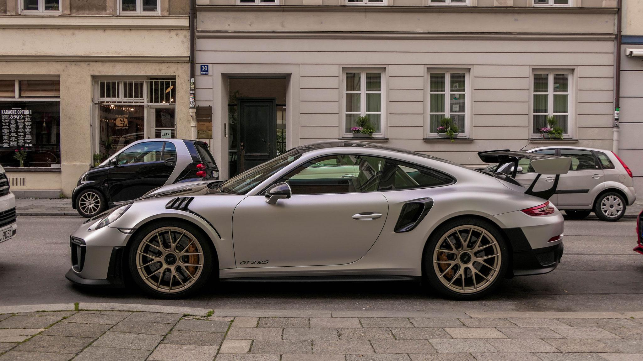 Porsche 911 GT2 RS - M-GT-2199