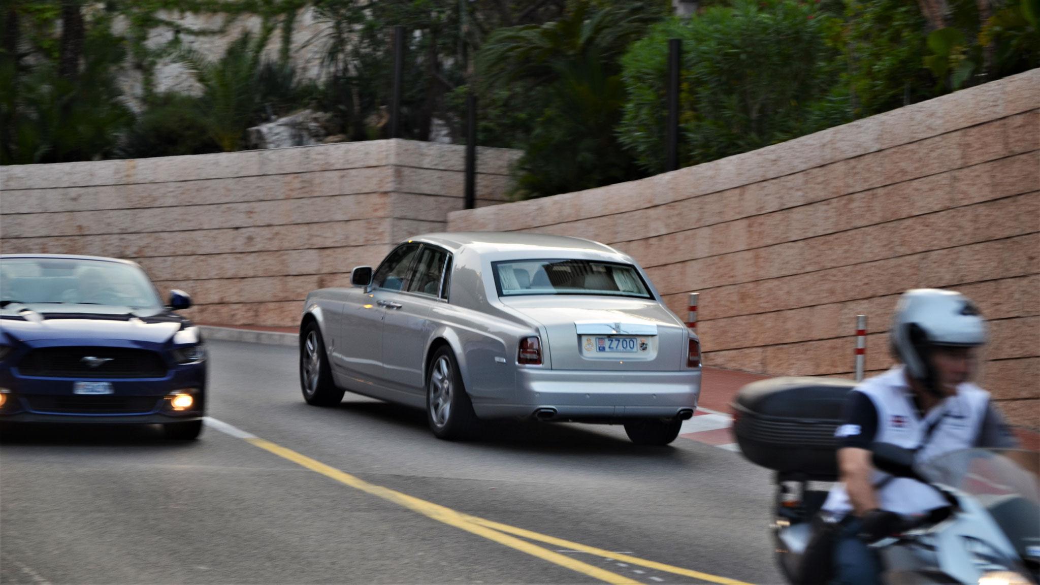 Rolls Royce Phantom - Z700 (MC)