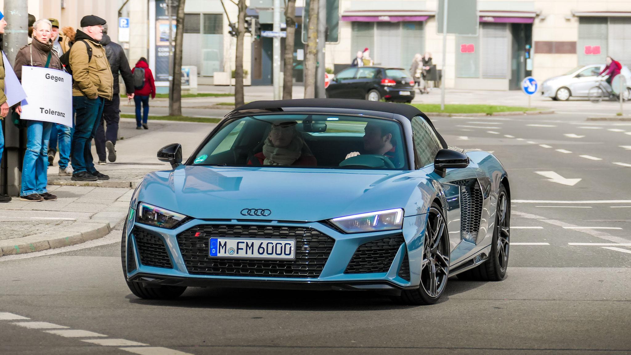 Audi R8 V10 Spyder - M-FM-6000