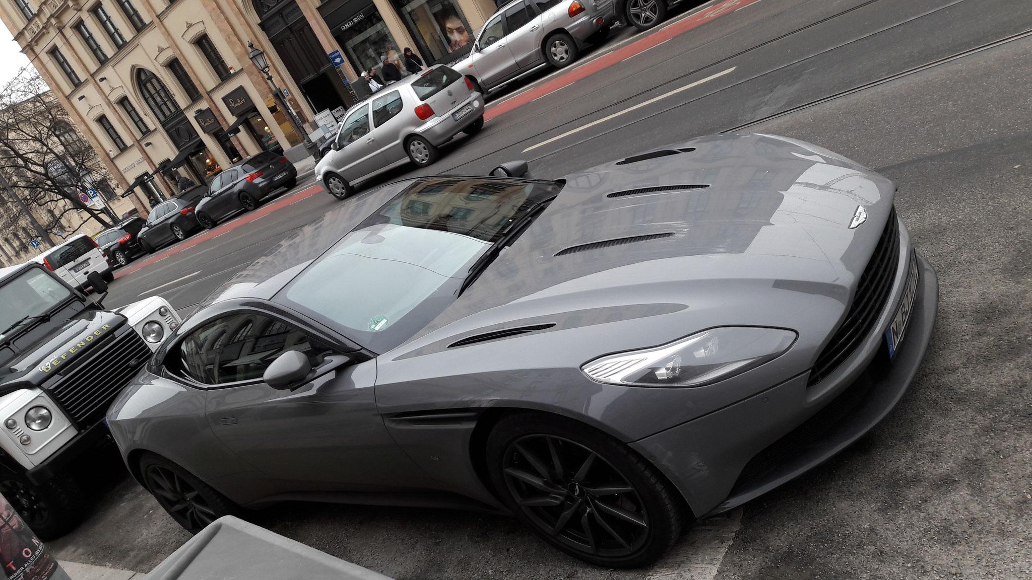 Aston Martin DB11 - N-BJ-1212