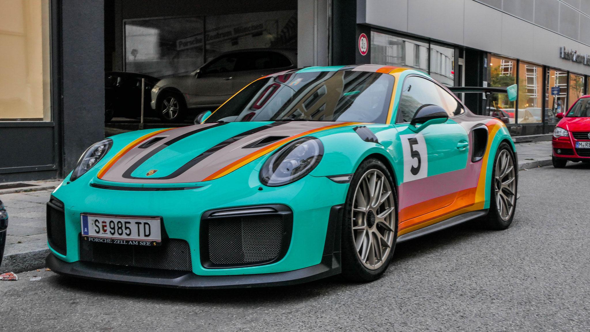 Porsche 911 GT2 RS - S-985-TD (AUT)