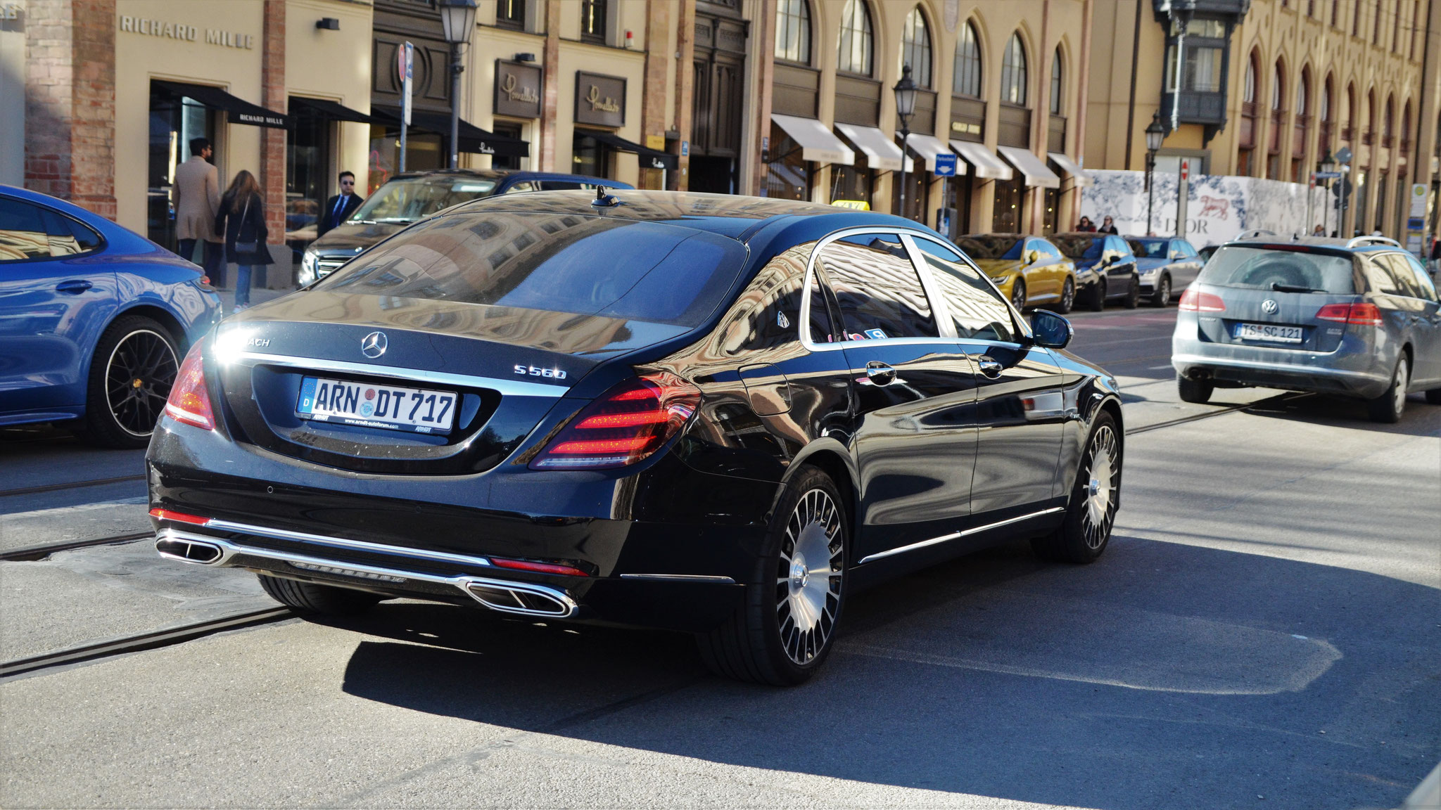 Mercedes Maybach S560 - ARN-DT-717