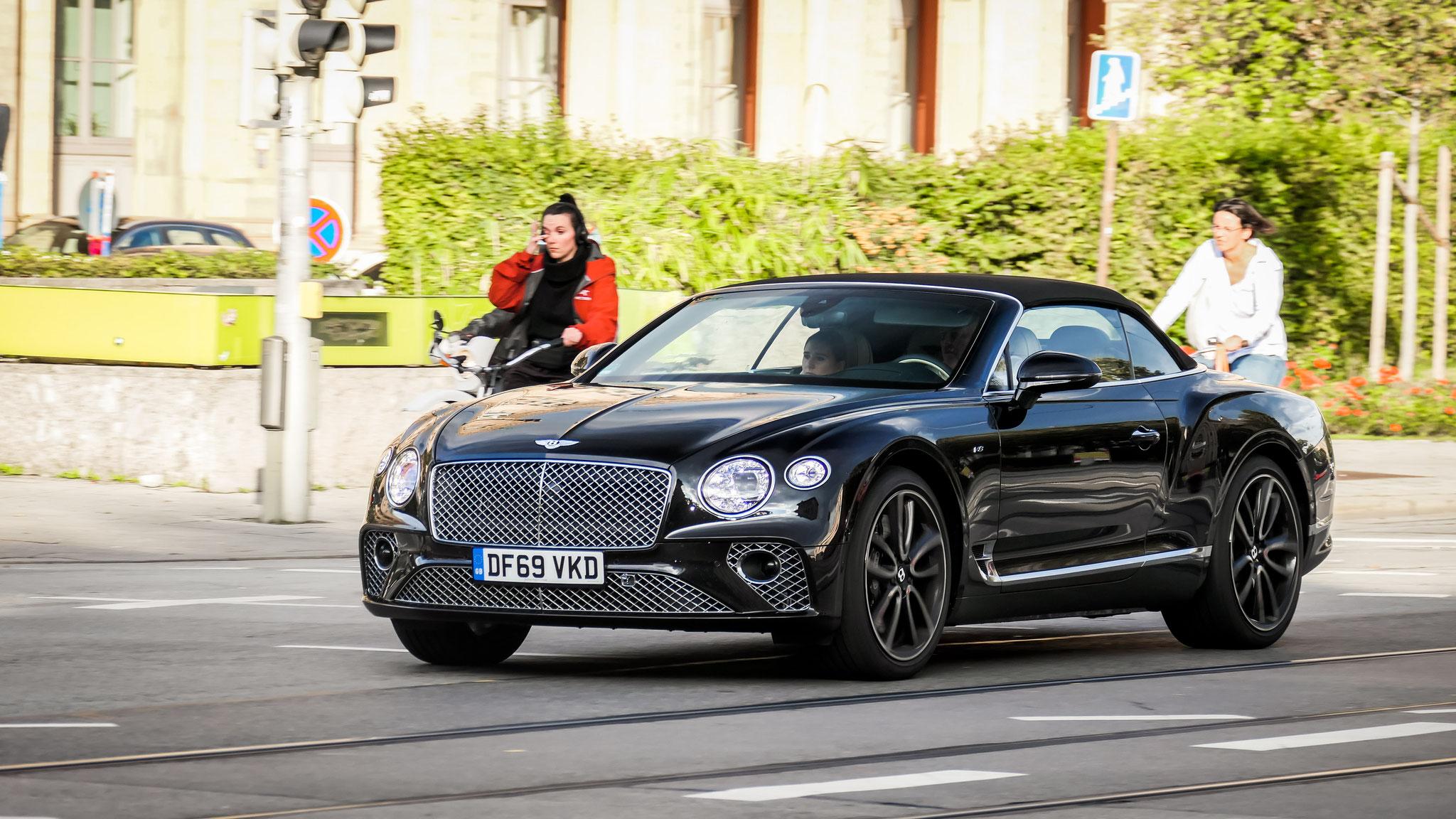 Bentley Continental GTC - DF69-VKD (GB)