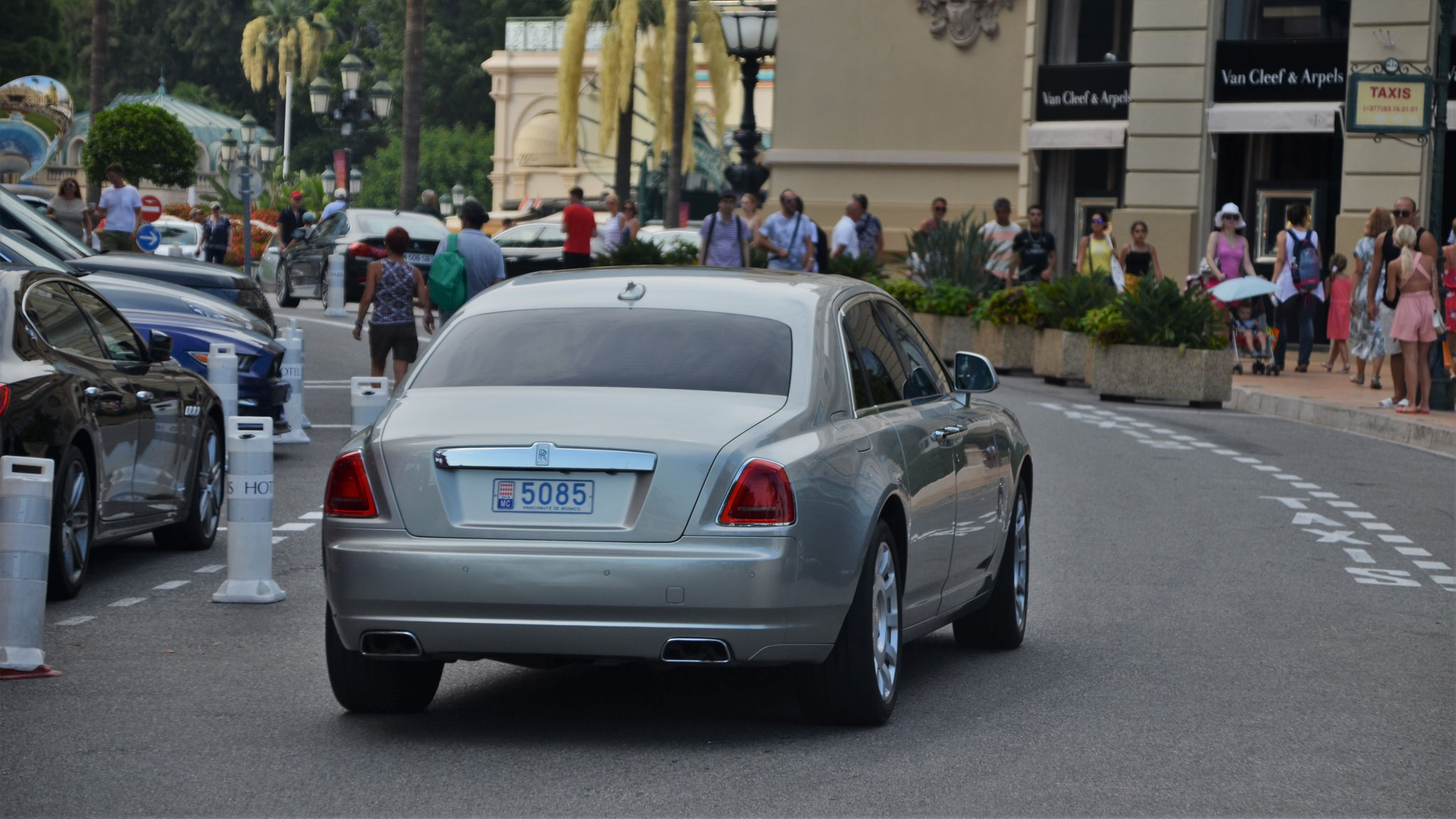 Rolls Royce Ghost - 5085 (MC)