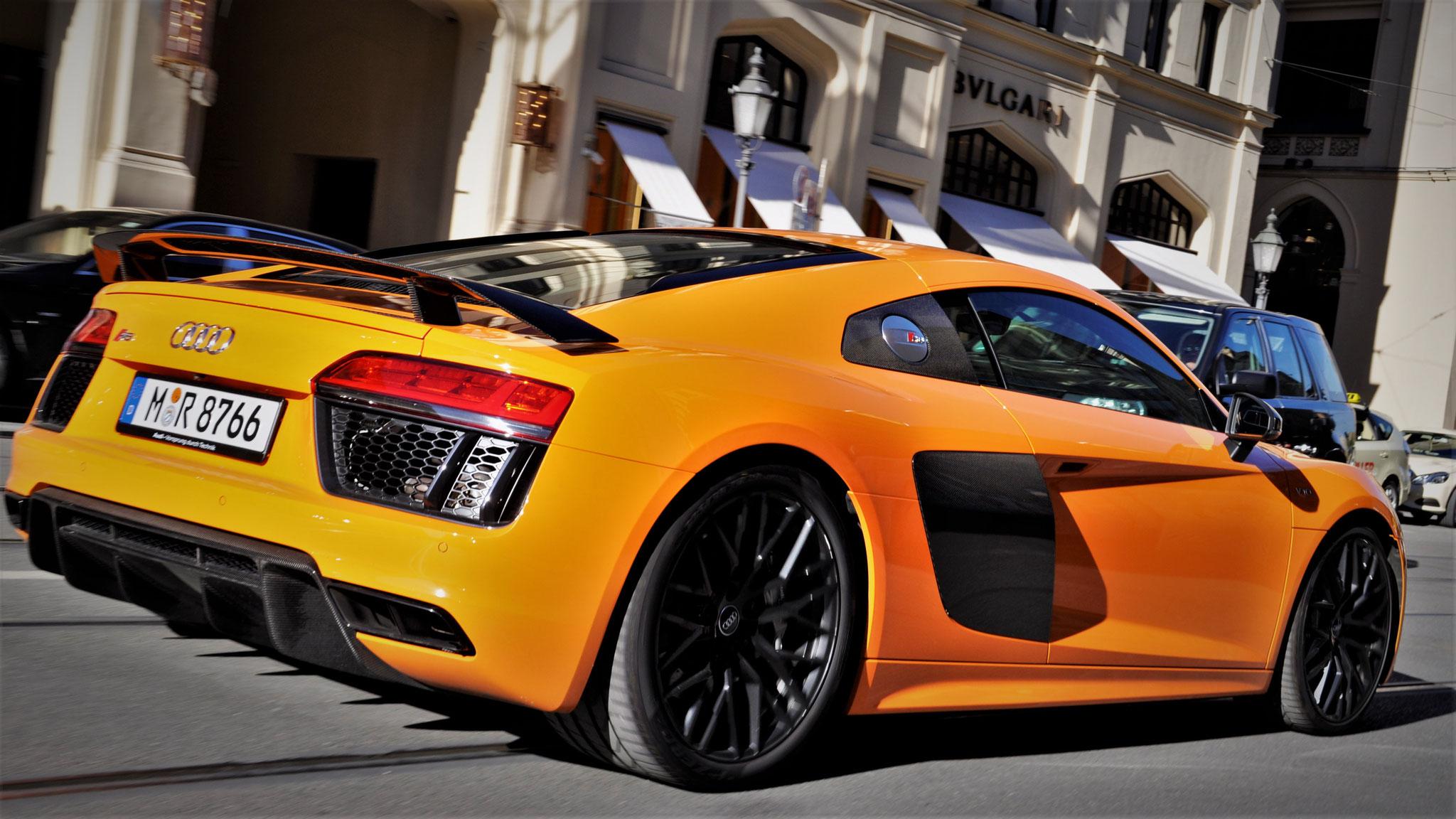 Audi R8 V10 - M-R-8766