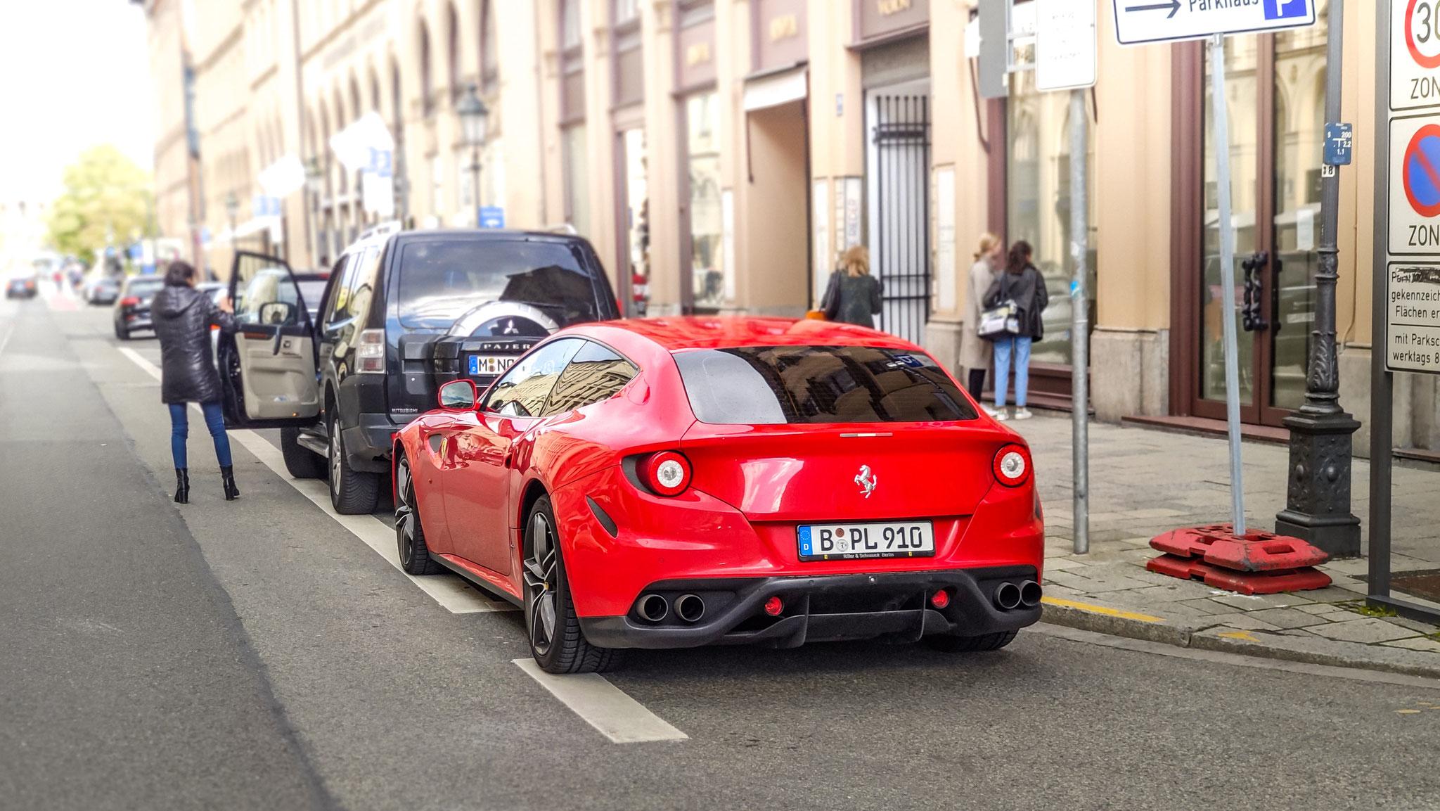 Ferrari FF - B-PL-910
