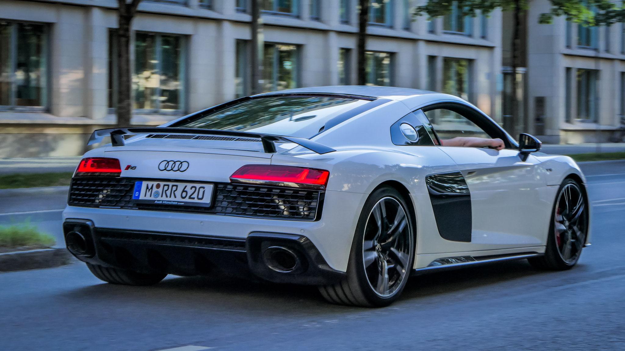 Audi R8 V10 - M-RR-620