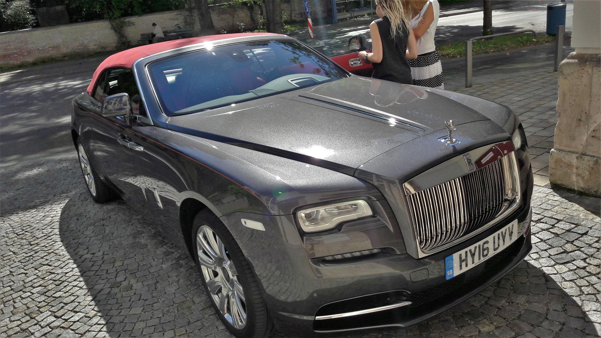 Rolls Royce Dawn - HY16-UYV (GB)