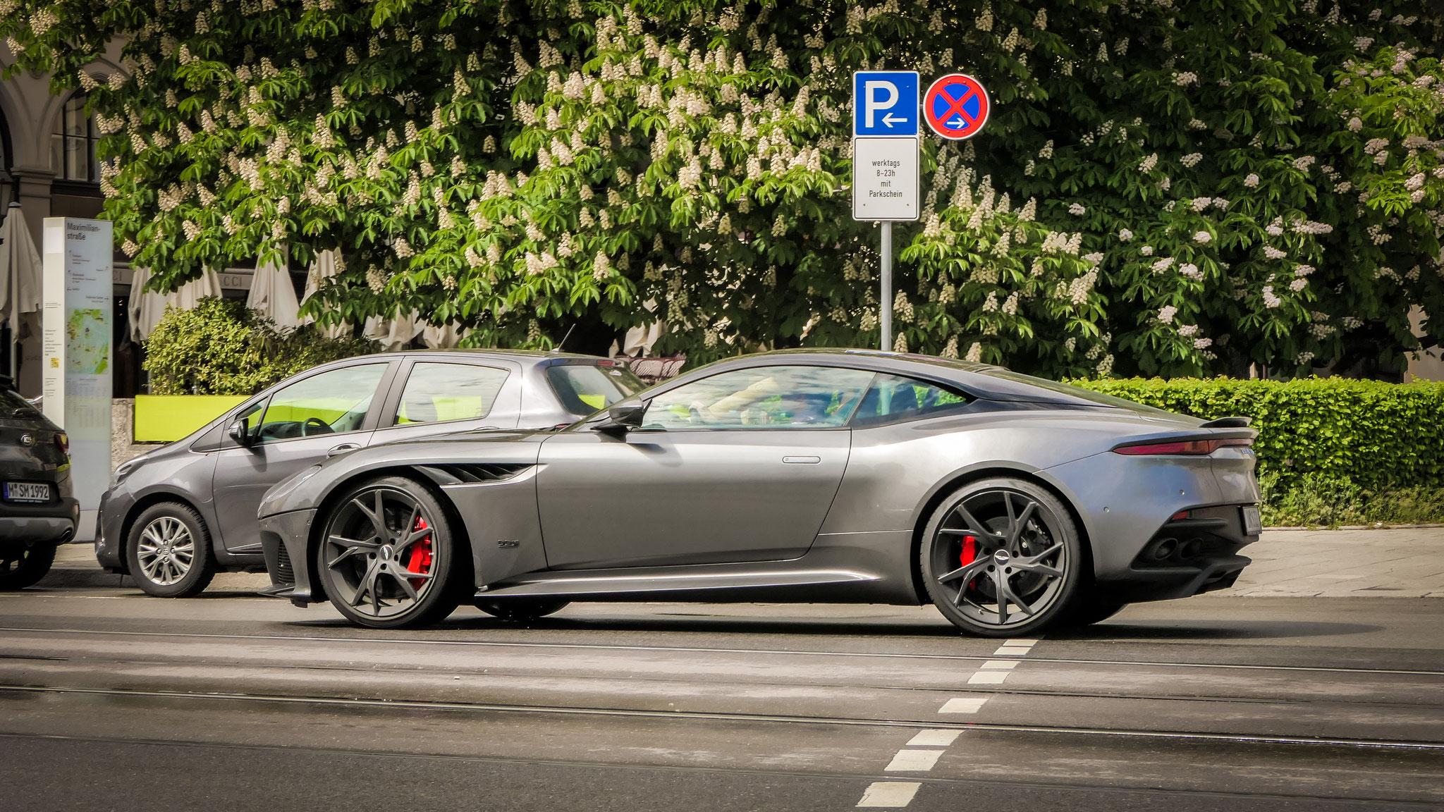 Aston Martin DBS Superleggera - IN-S-32