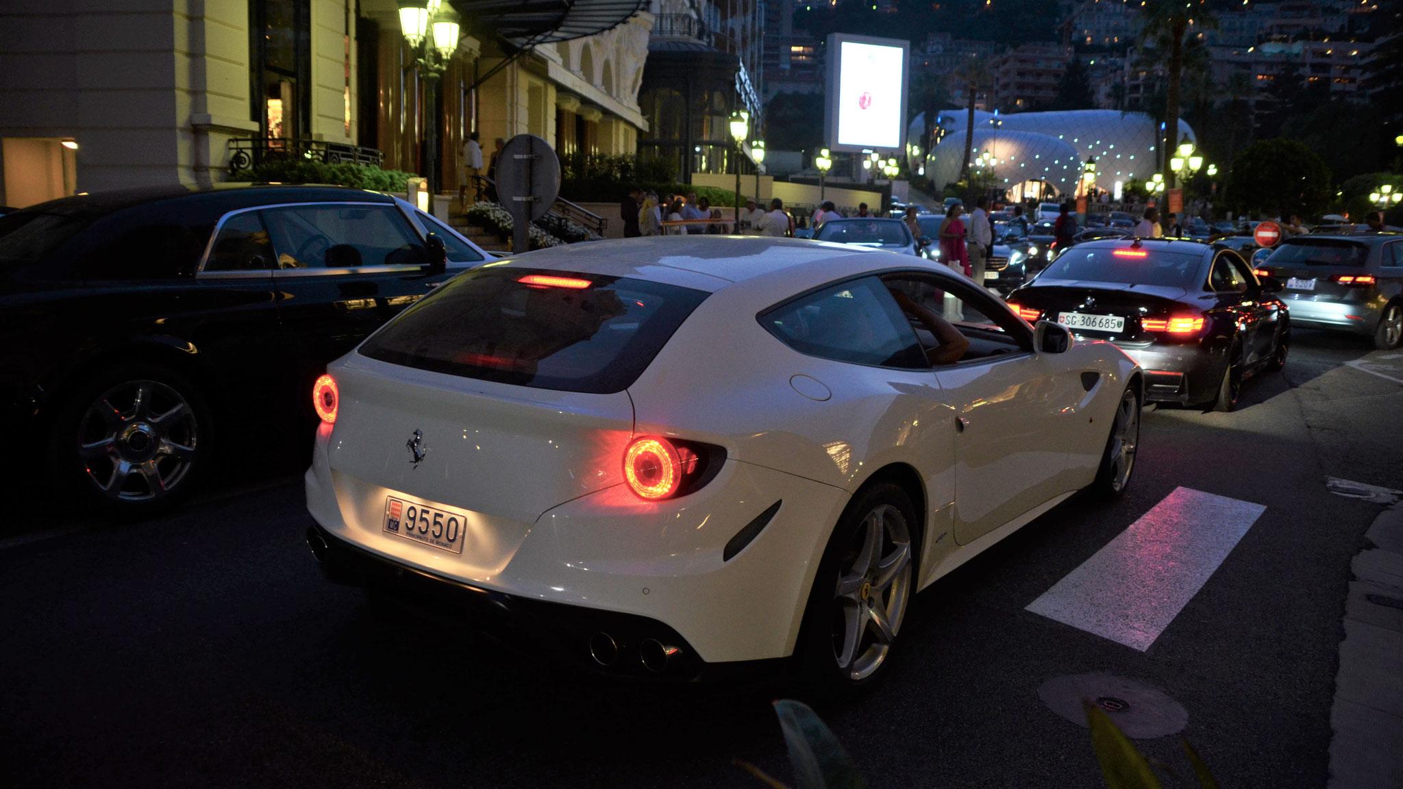 Ferrari FF - 9550 (MC)