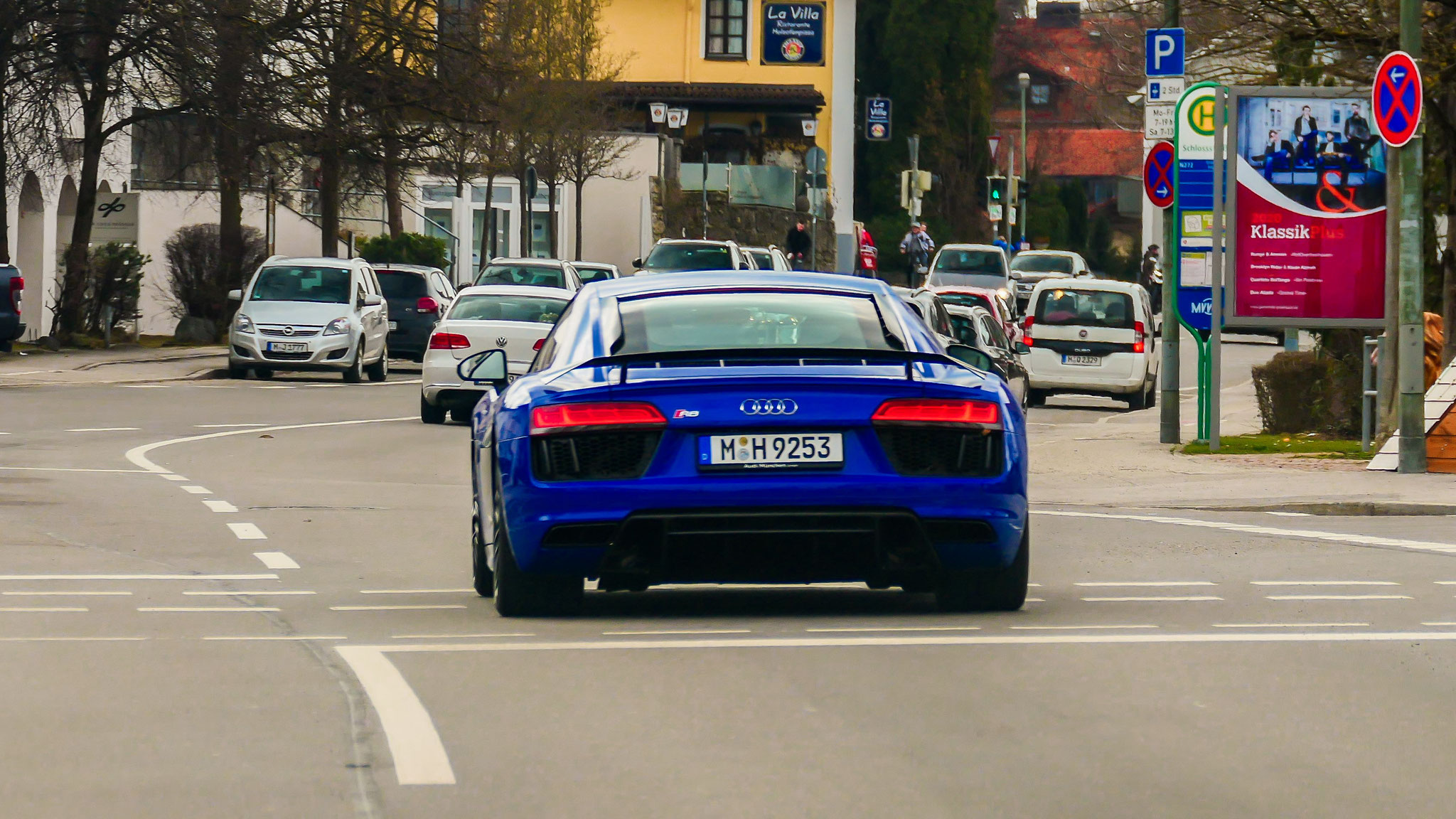 Audi R8 V10 - M-H-9253