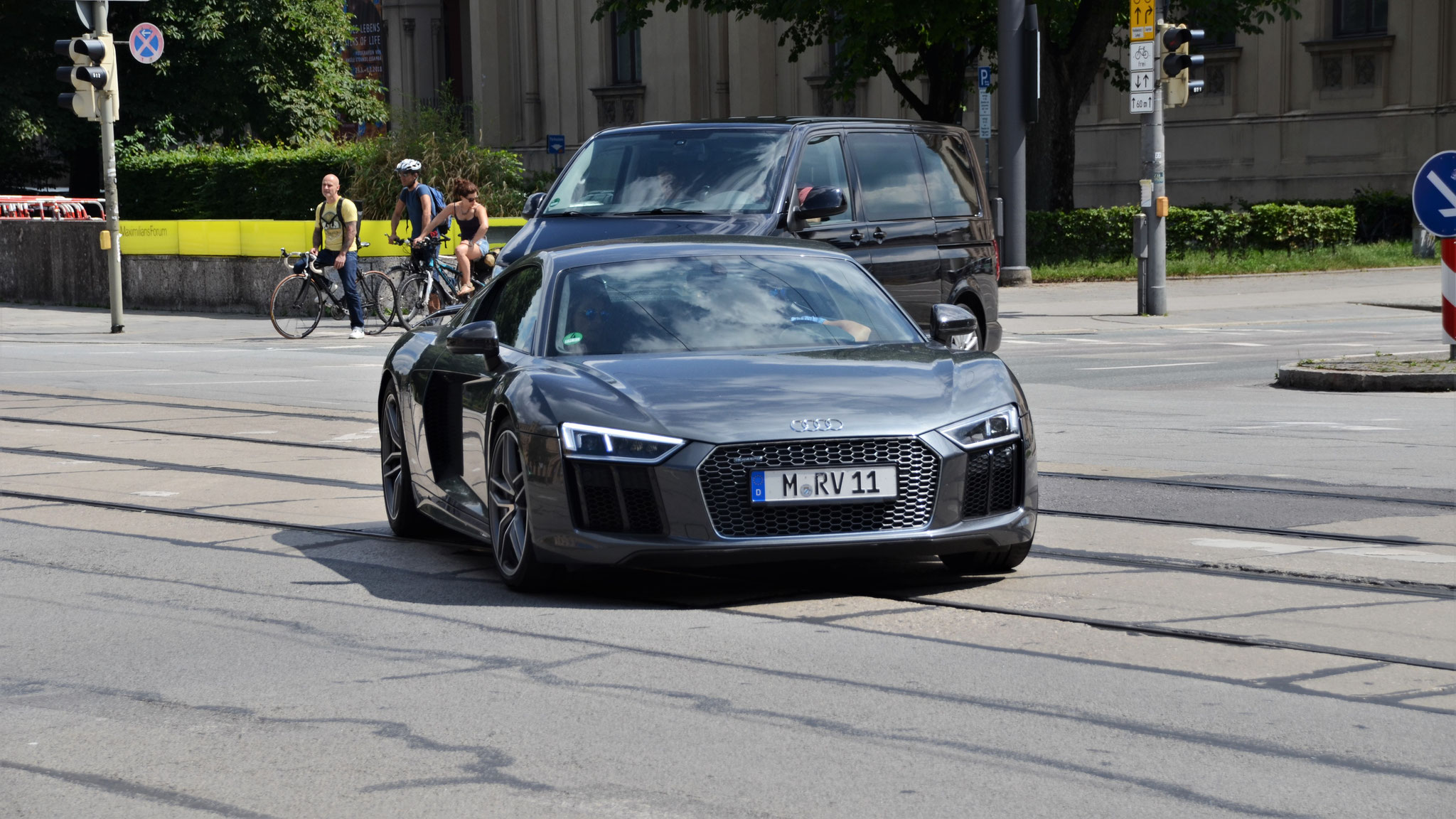 Audi R8 V10 - M-RV-11