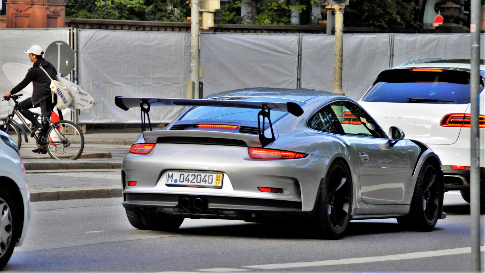Porsche 911 GT3 RS - M-042040