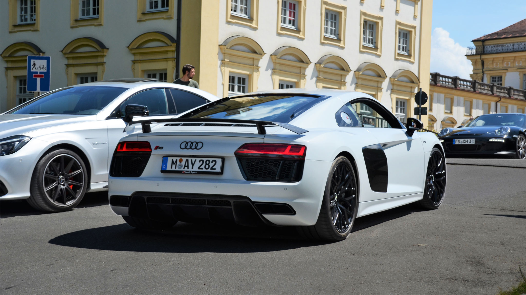 Audi R8 V10 - M-AY-282