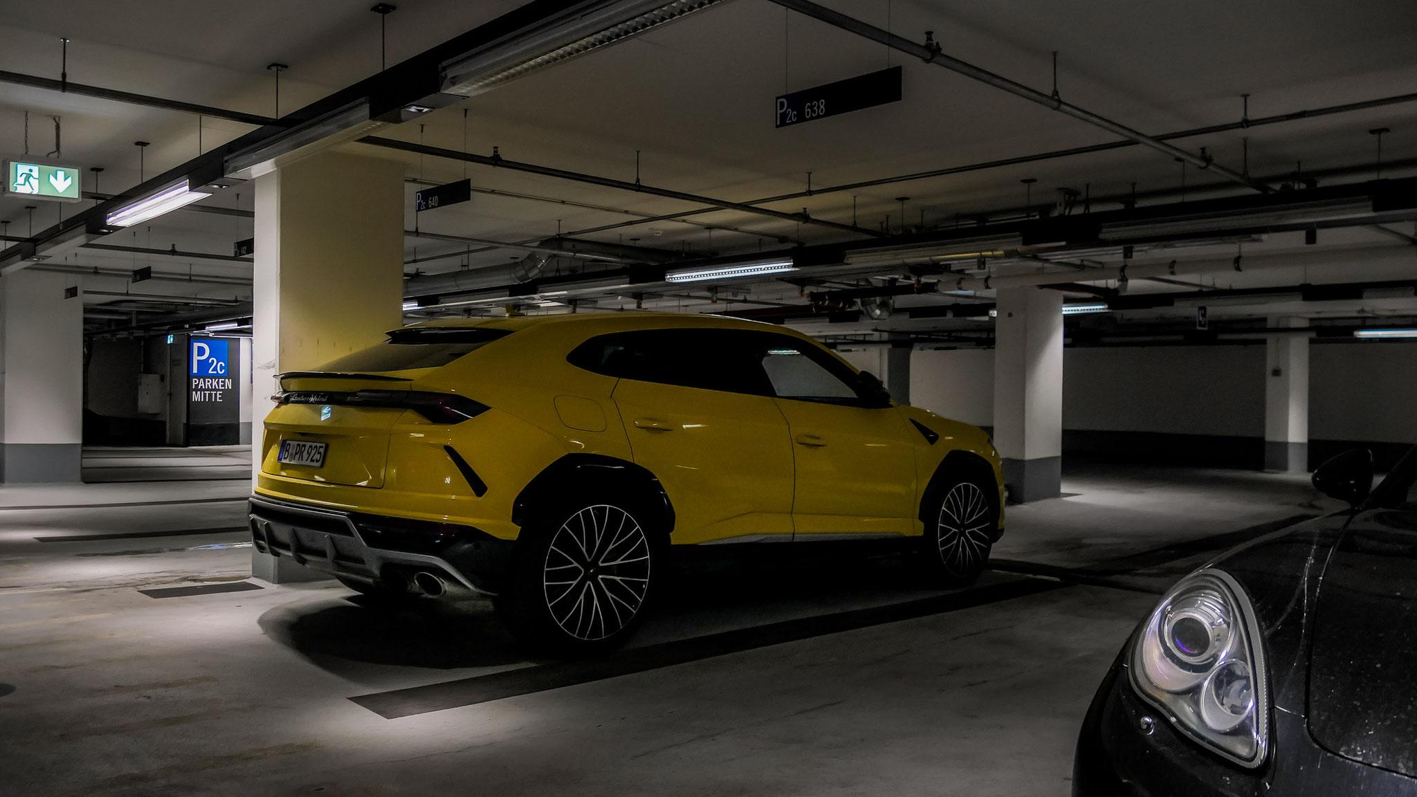 Lamborghini Urus - B-PR-925