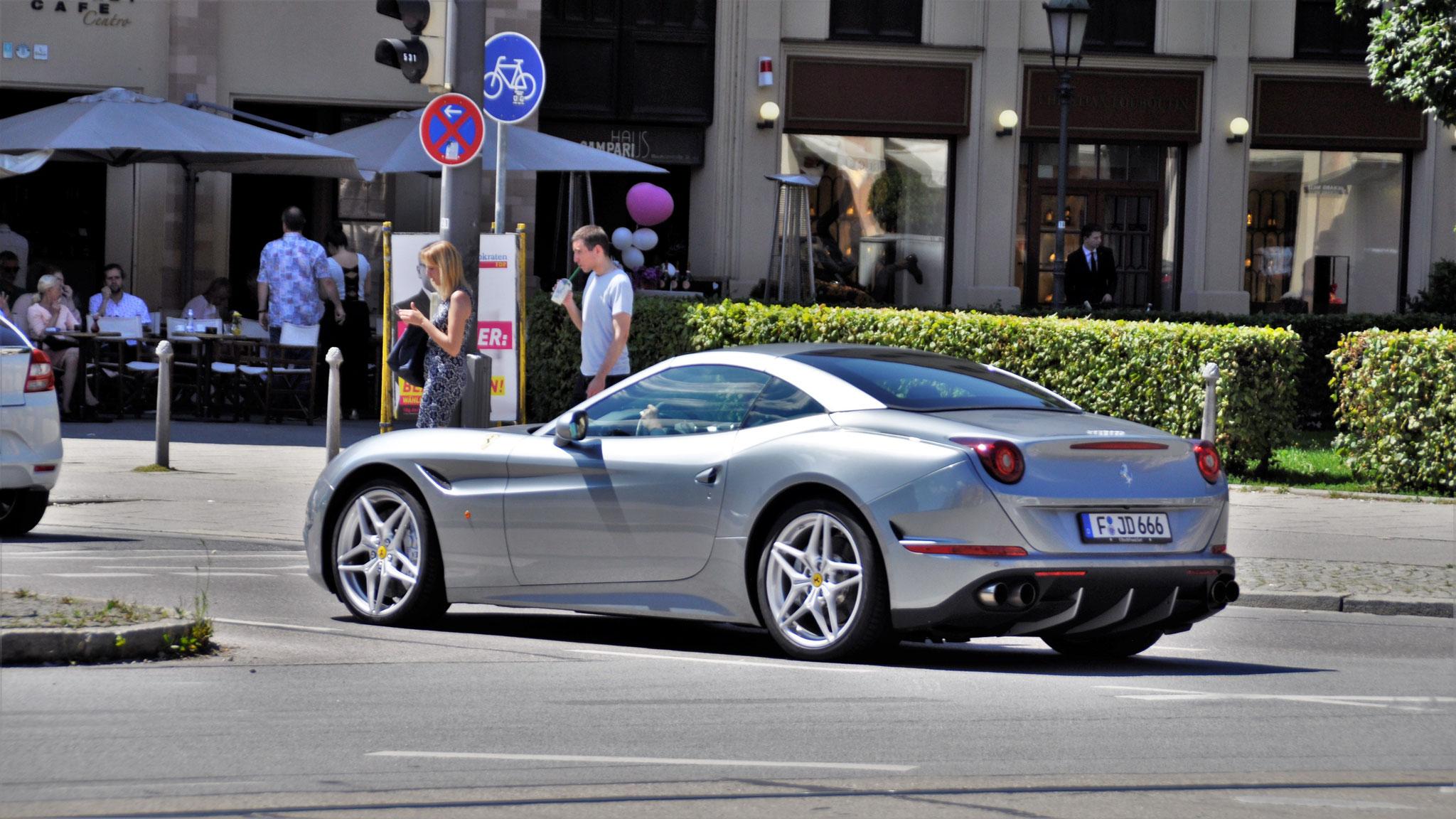 Ferrari California T - F-JD-666