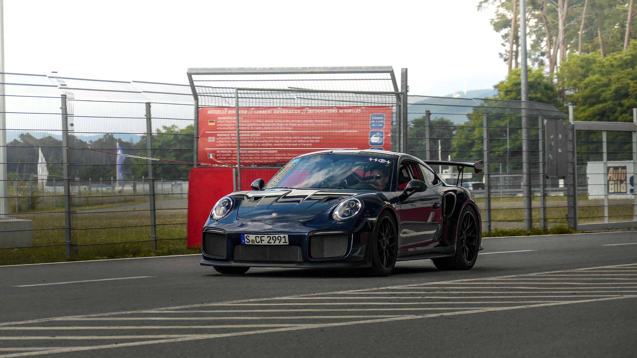 Porsche GT2 RS - S-CF-2991