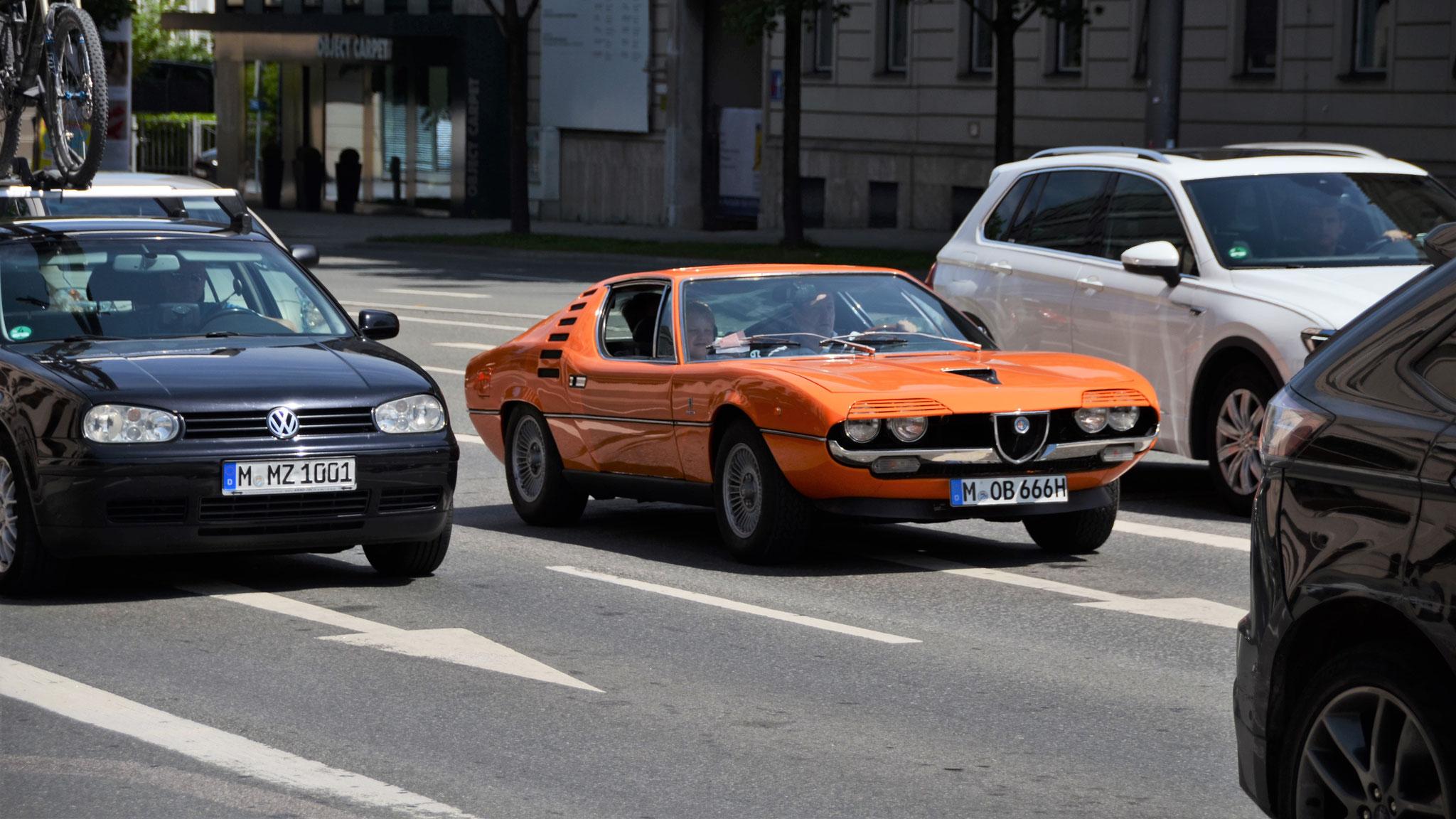 Alfa Romeo Montreal Bertone - M-OB-666H