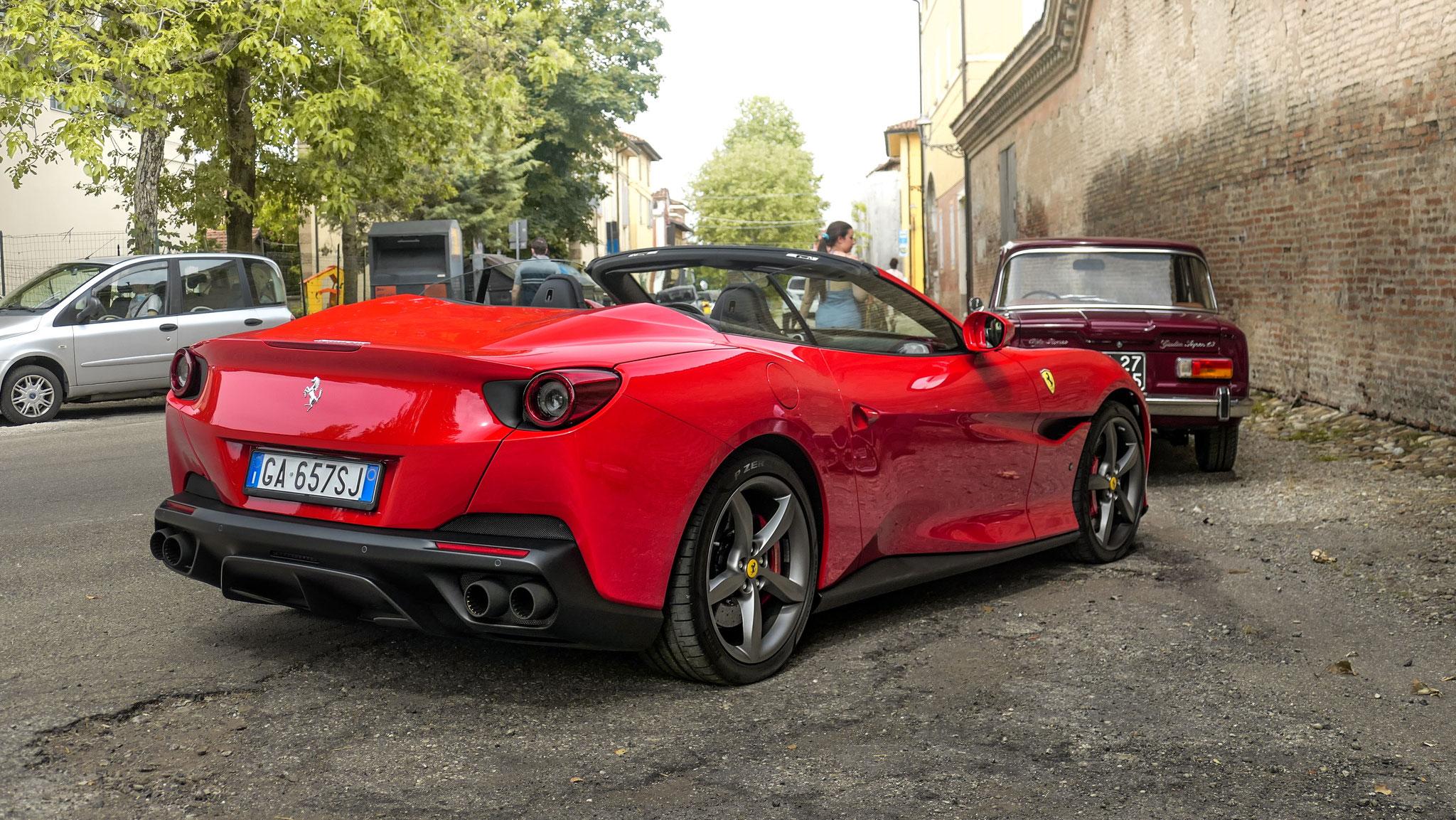 Ferrari Portofino - GA-657-SJ (ITA)